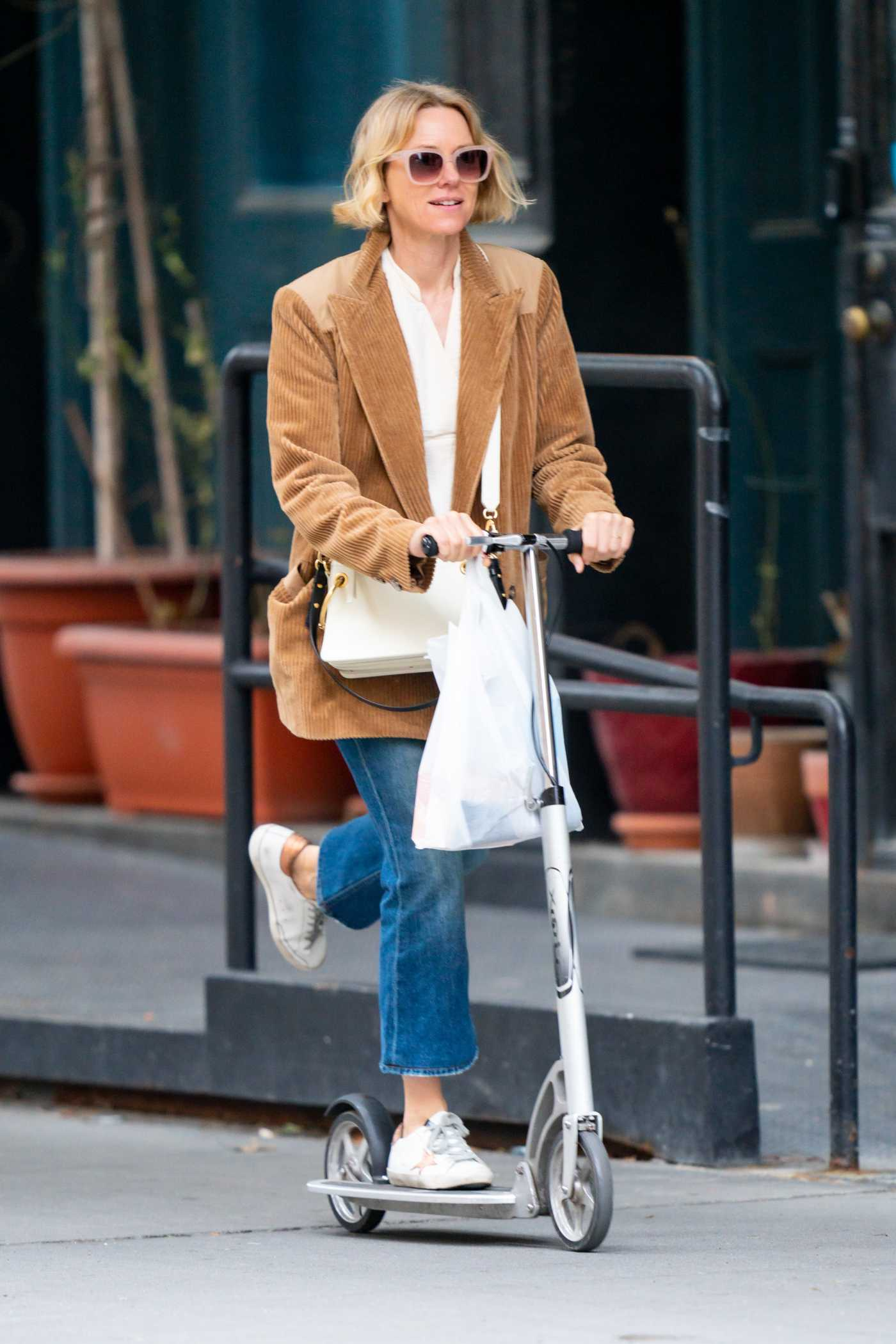 Naomi Watts in a White Sneakers Was Seen Out in New York 01/11/2020