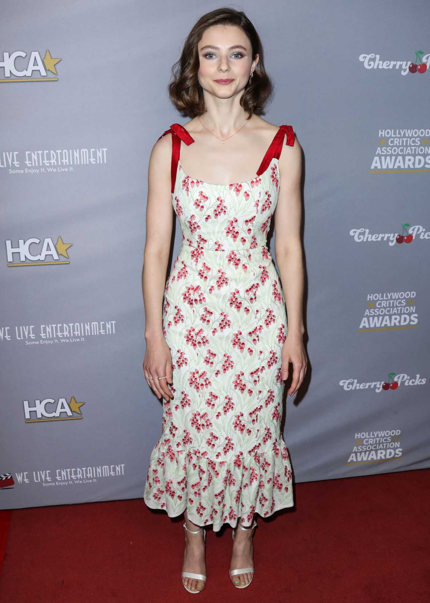 Thomasin McKenzie Attends the 3rd Annual Hollywood Critics' Awards at the Taglyan Cultural Complex in Hollywood 01/10/2020