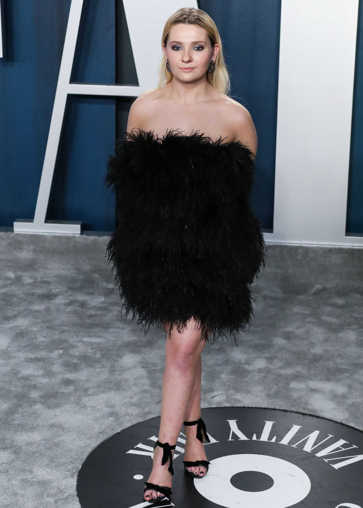 Abigail Breslin Attends the 92nd Academy Awards Vanity Fair Oscar Party in Beverly Hills 02/09/2020