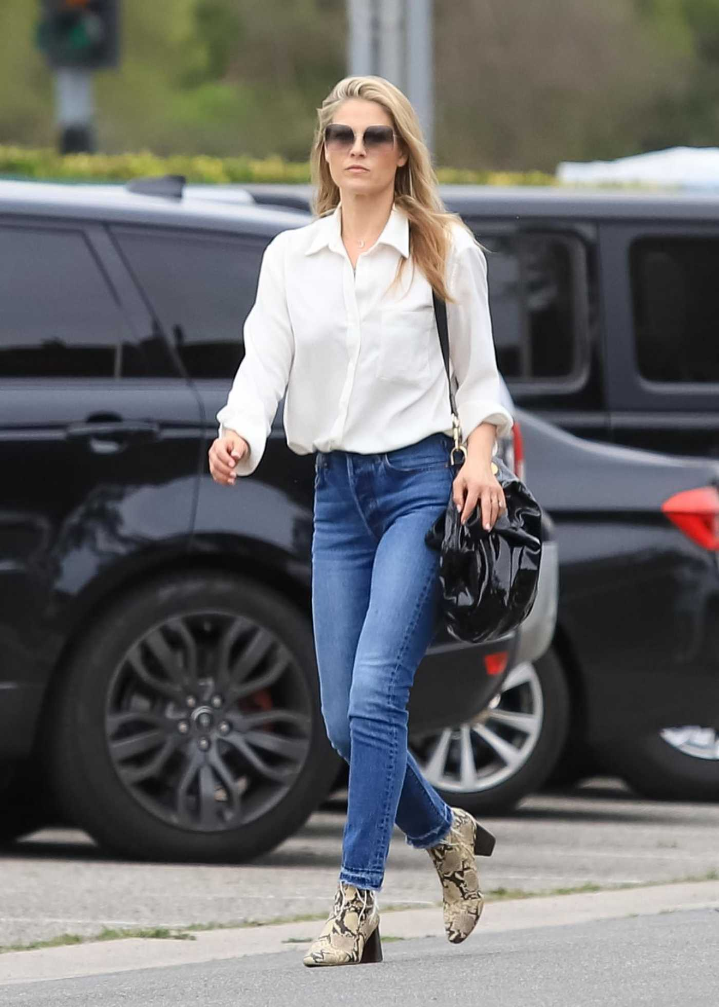 Ali Larter in a White Shirt Leaves a Hair Salon in Beverly Hills 02/27/2020