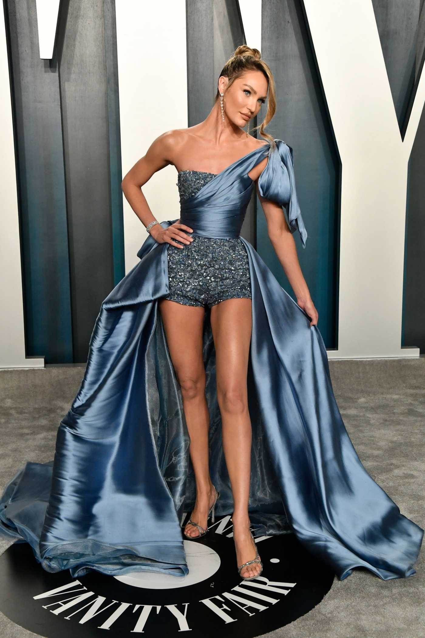 Candice Swanepoel Attends the 92nd Academy Awards Vanity Fair Oscar Party in Beverly Hills 02/09/2020