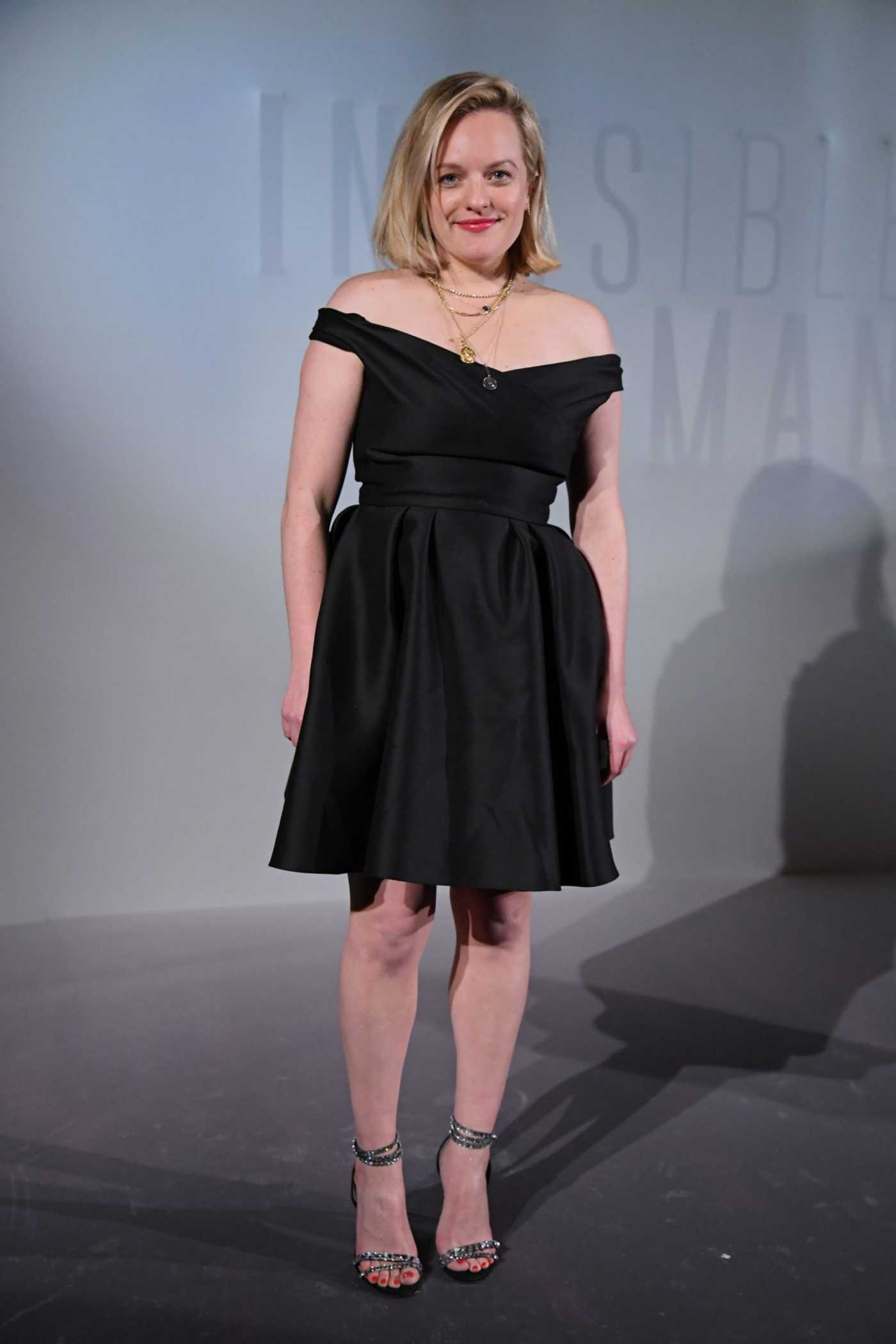 Elisabeth Moss Attends The Invisible Man Premiere in Paris 02/17/2020