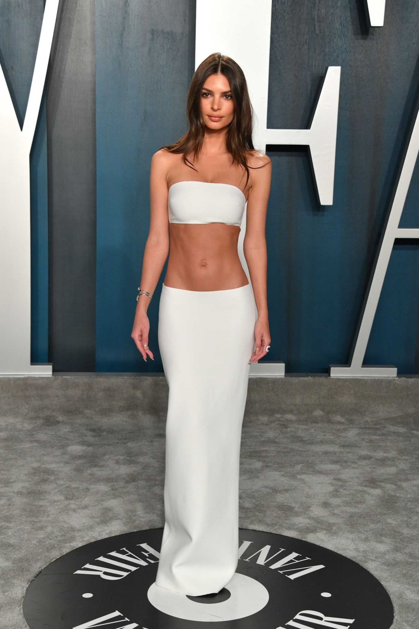 Emily Ratajkowski Attends the 92nd Academy Awards Vanity Fair Oscar Party in Beverly Hills 02/09/2020