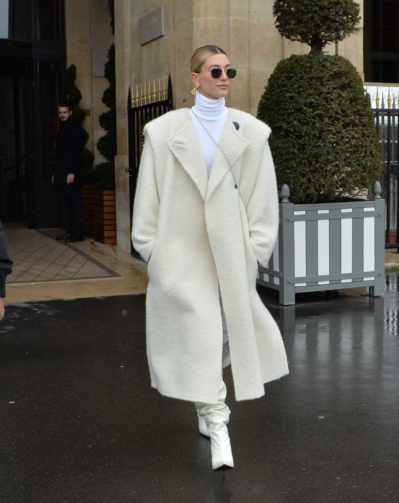 Hailey Baldwin in a Beige Coat Leaves Her Hotel in Paris 02/27/2020