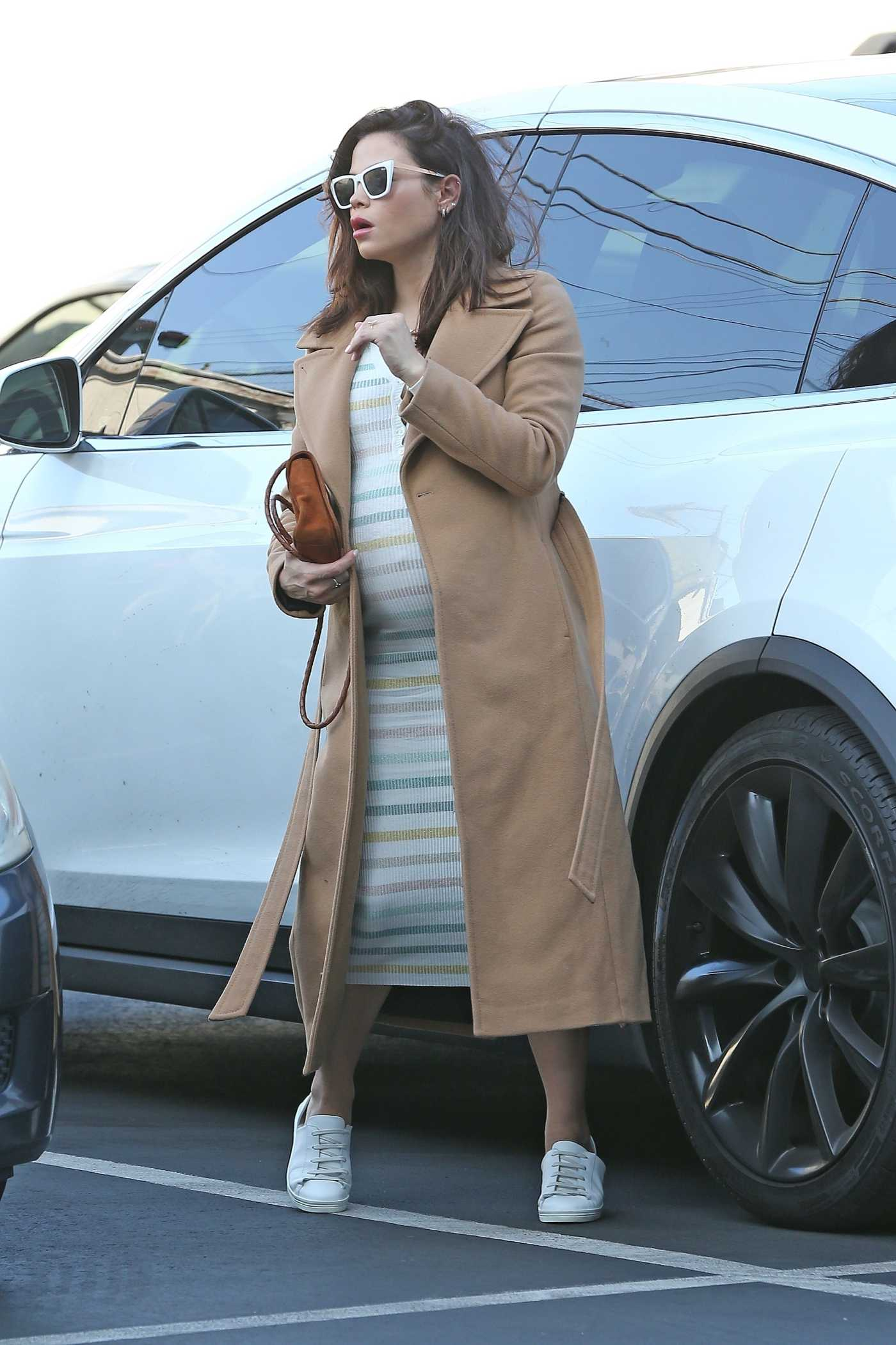 Jenna Dewan in a Beige Coat Was Seen Out in Los Angeles 02/19/2020