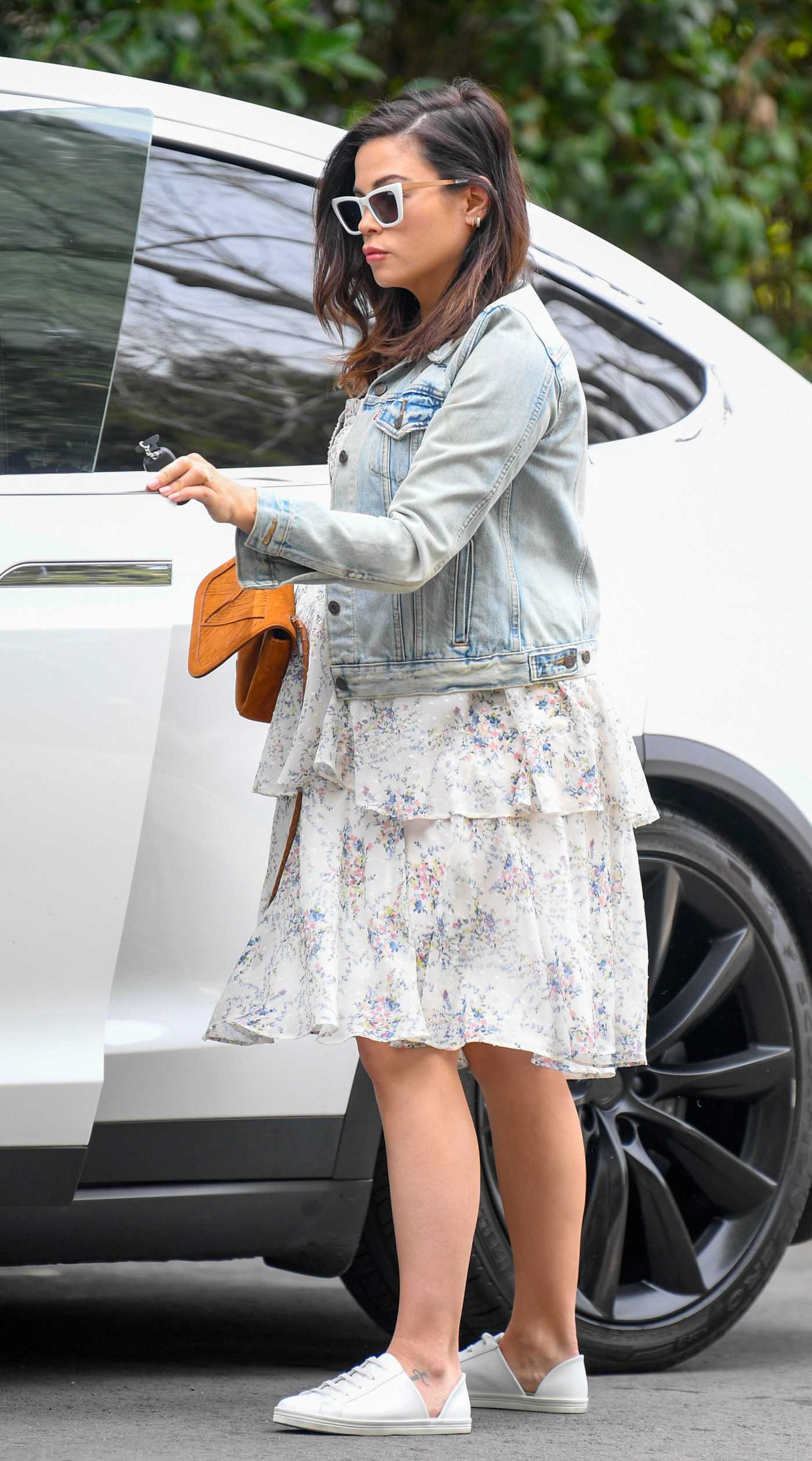 Jenna Dewan in a Blue Denim Jacket Was Seen Out in Los Angeles 02/27/2020