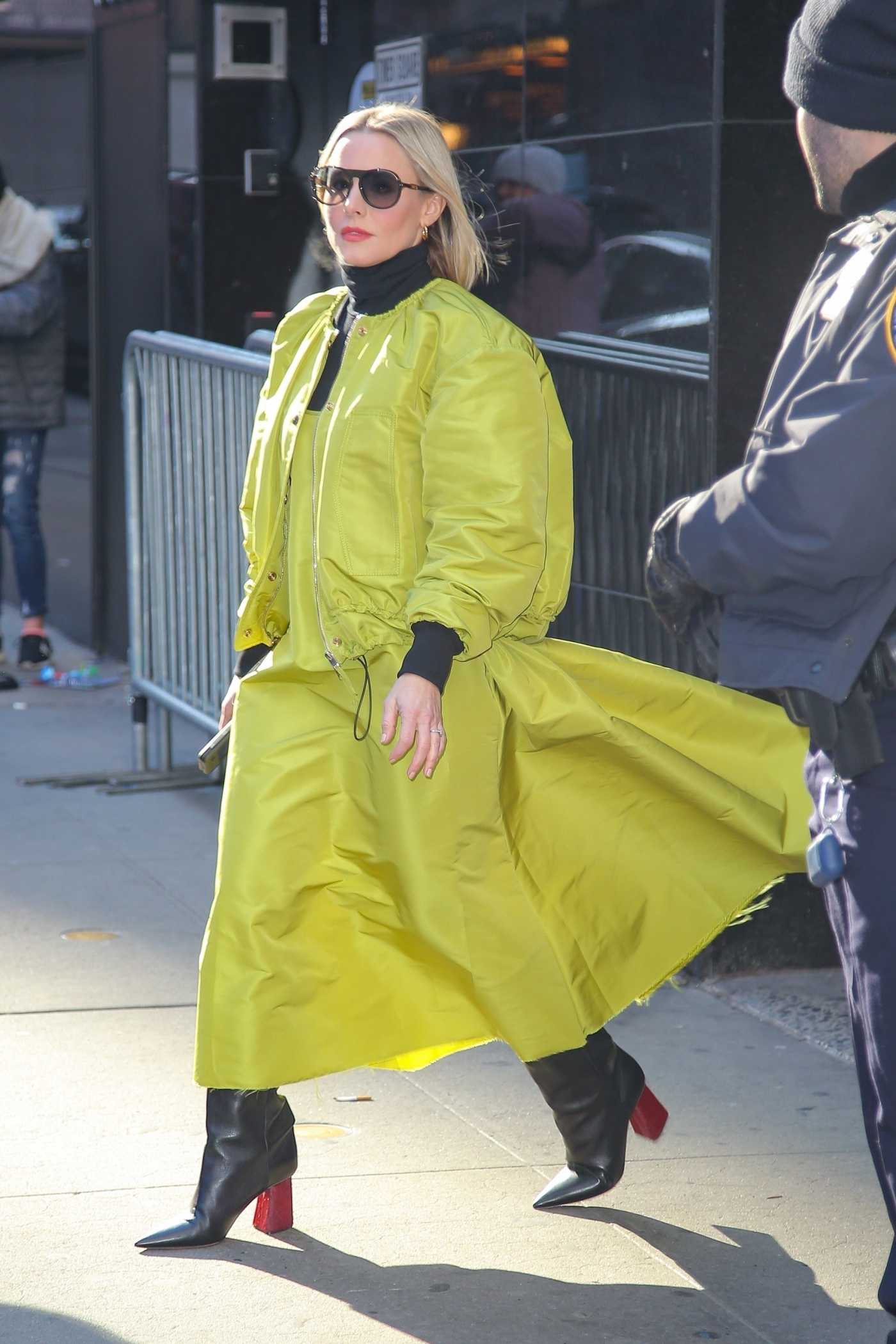 Kristen Bell in a Neon Green Outfit Was Seen Out in New York 02/21/2020