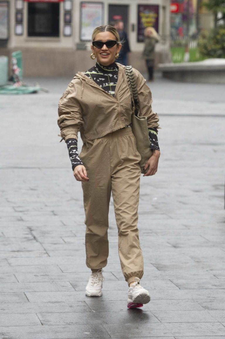 Ashley Roberts in a Beige Jogging Suit