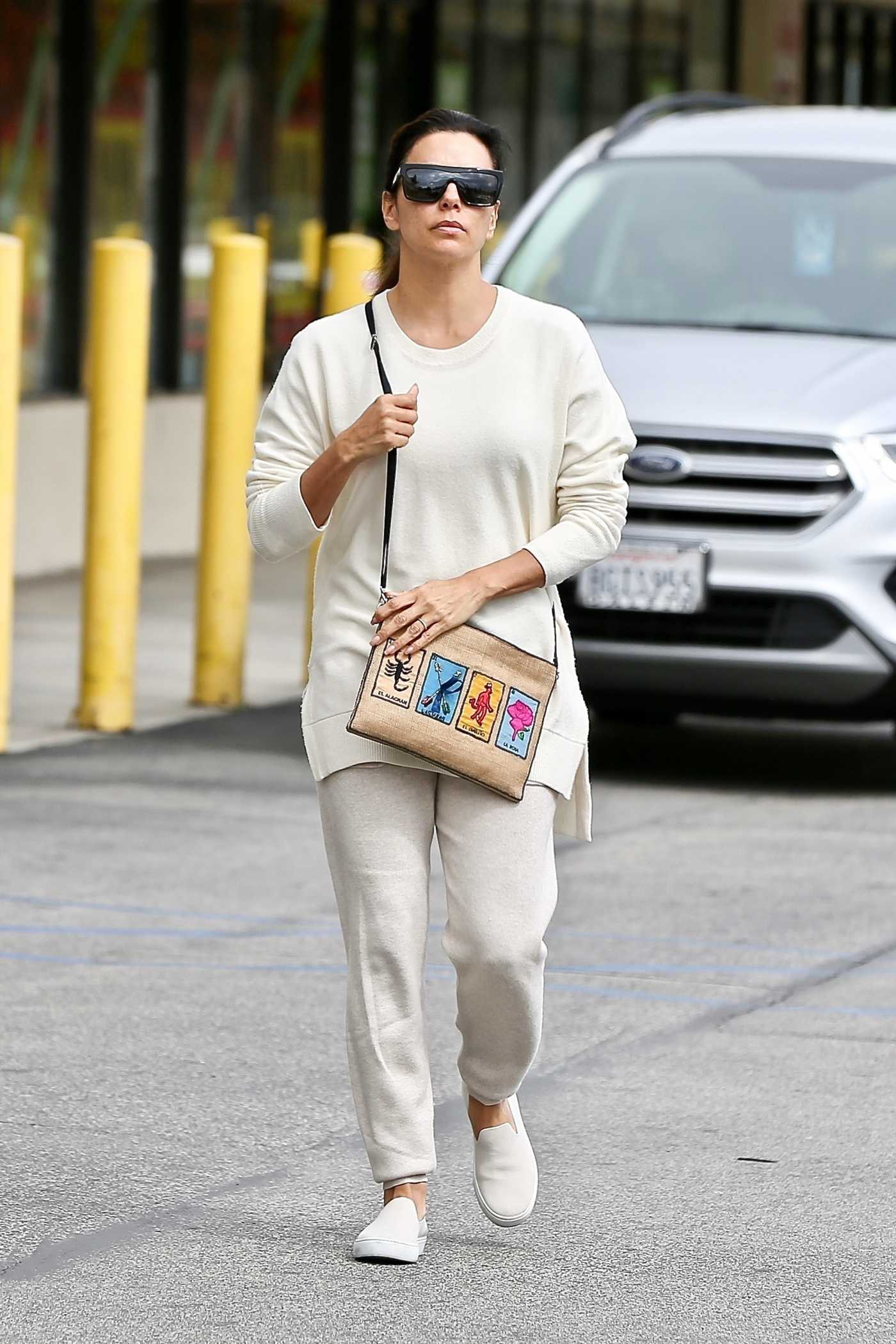 Eva Longoria in a Beige Sweatpants Goes Shopping at Joann Fabrics and Crafts in Sherman Oaks 03/14/2020
