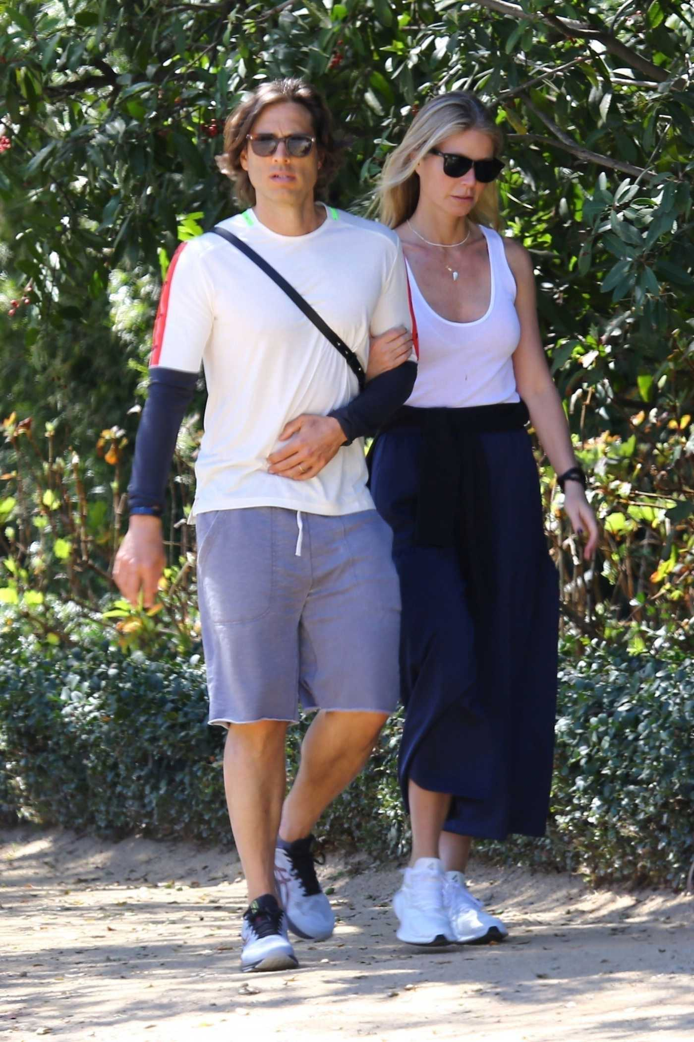 Gwyneth Paltrow in a White Tank Top Was Seen Out with Brad Falchuk in Los Angeles 03/08/2020