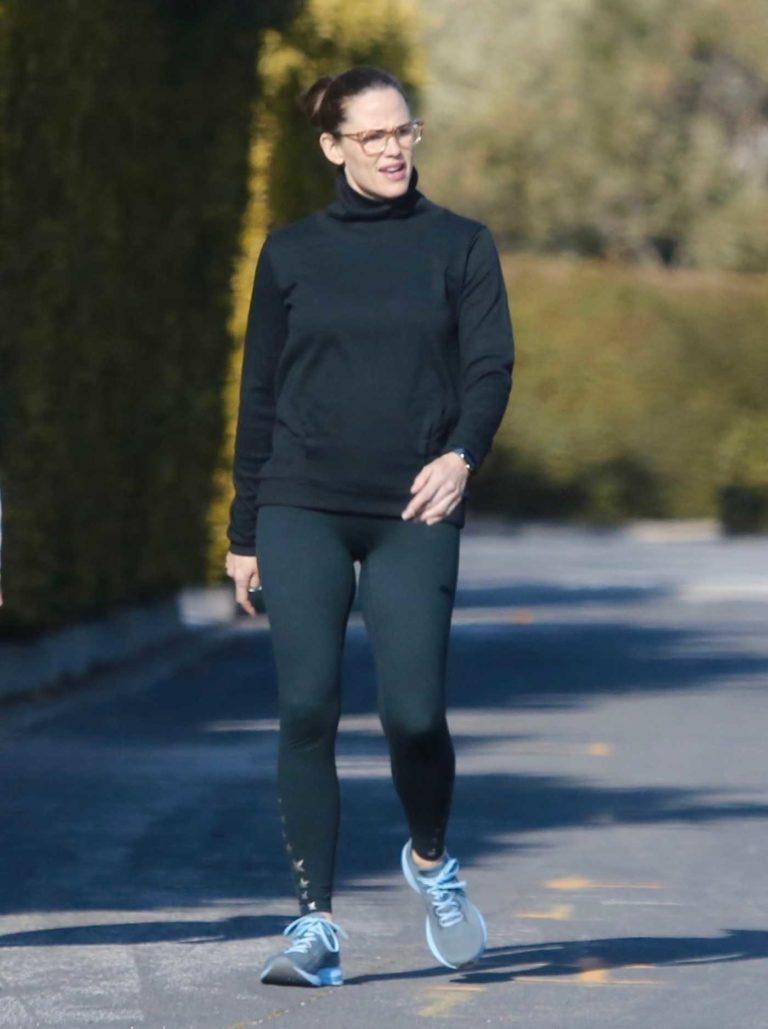 Jennifer Garner in a Black Turtleneck