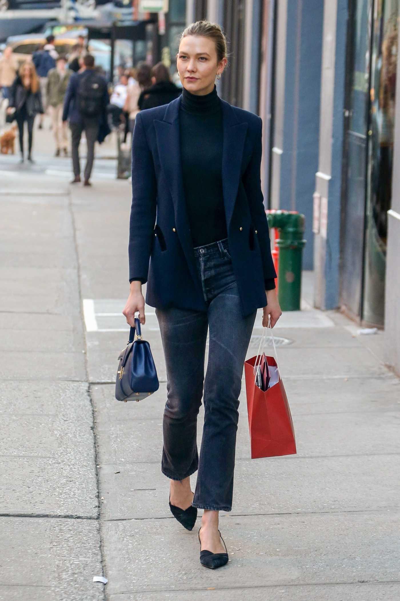 Karlie Kloss in a Blue Blazer Was Seen Out in New York City 03/09/2020