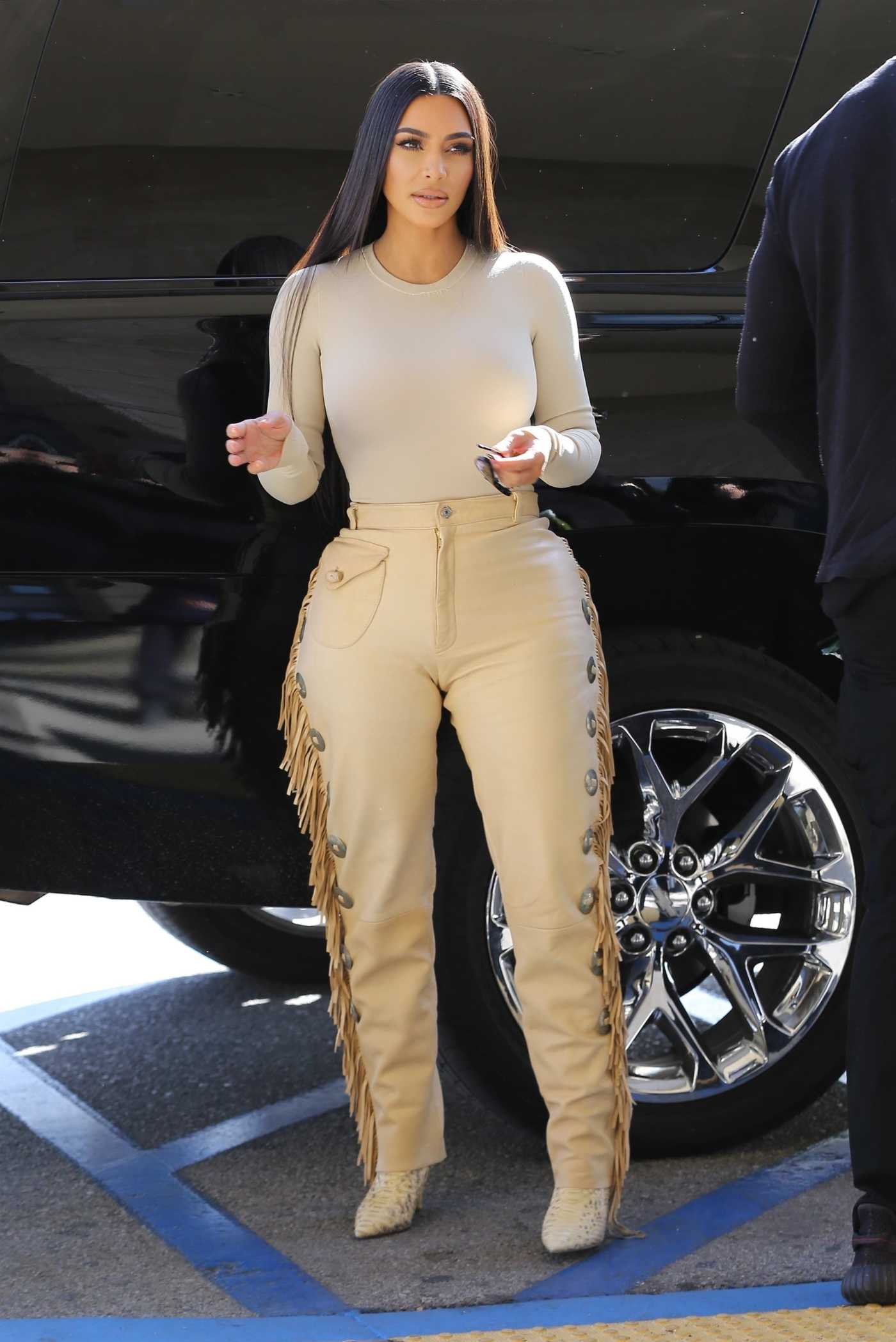 Kim Kardashian in a Beige Pants Was Seen Out in Woodland Hills 03/06/2020