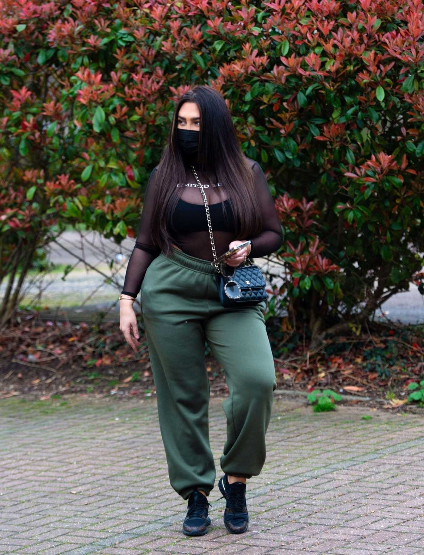 Lauren Goodger in a Black Face Mask Leaves Her House in Essex 03/20/2020