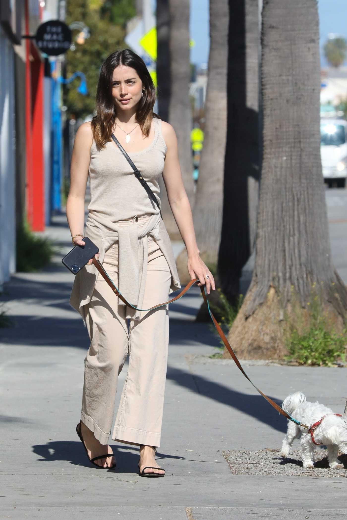 Ana de Armas in a Beige Pants Walks Her Cute Pup in Venice 04/24/2020