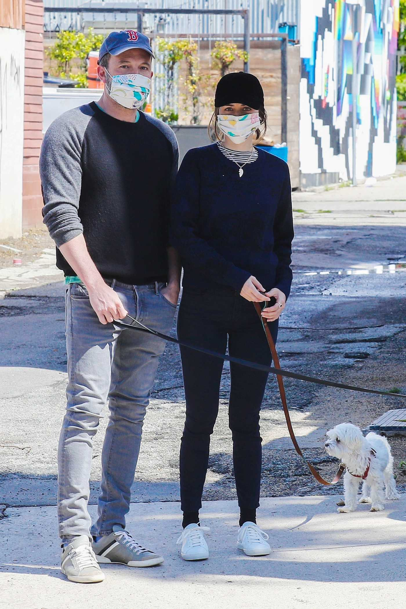 Ana De Armas in a Face Mask was Seen Out with Ben Affleck in Los Angeles 04/10/2020