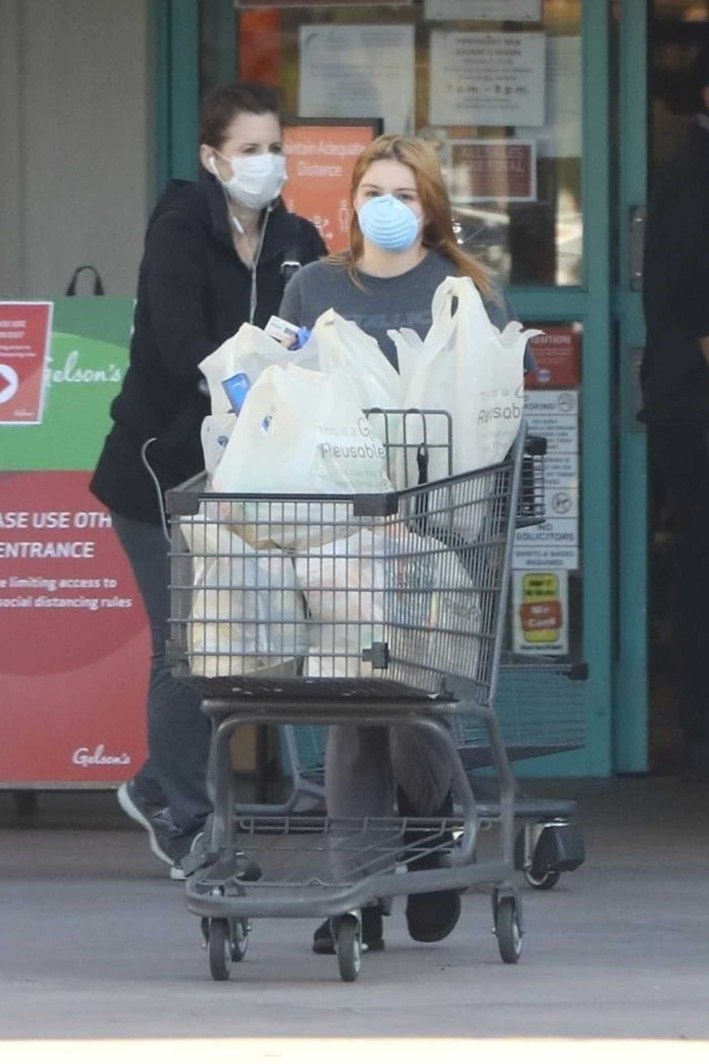 Ariel Winter in a Face Mask Shops for Groceries at Gelson's in Los Angeles 04/11/2020