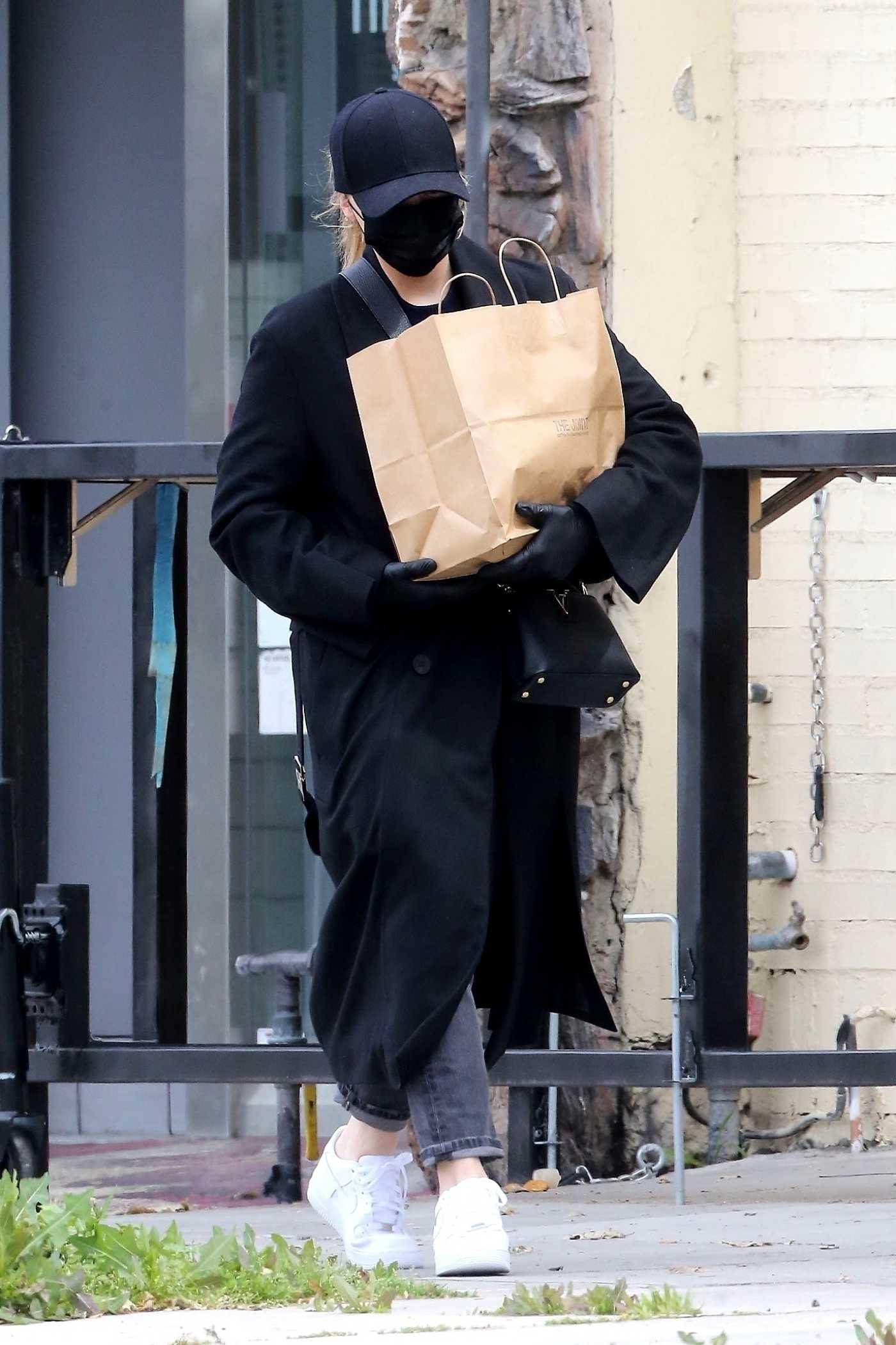 Chloe Moretz in a Black Face Mask Goes Shopping in Studio City 04/08/2020