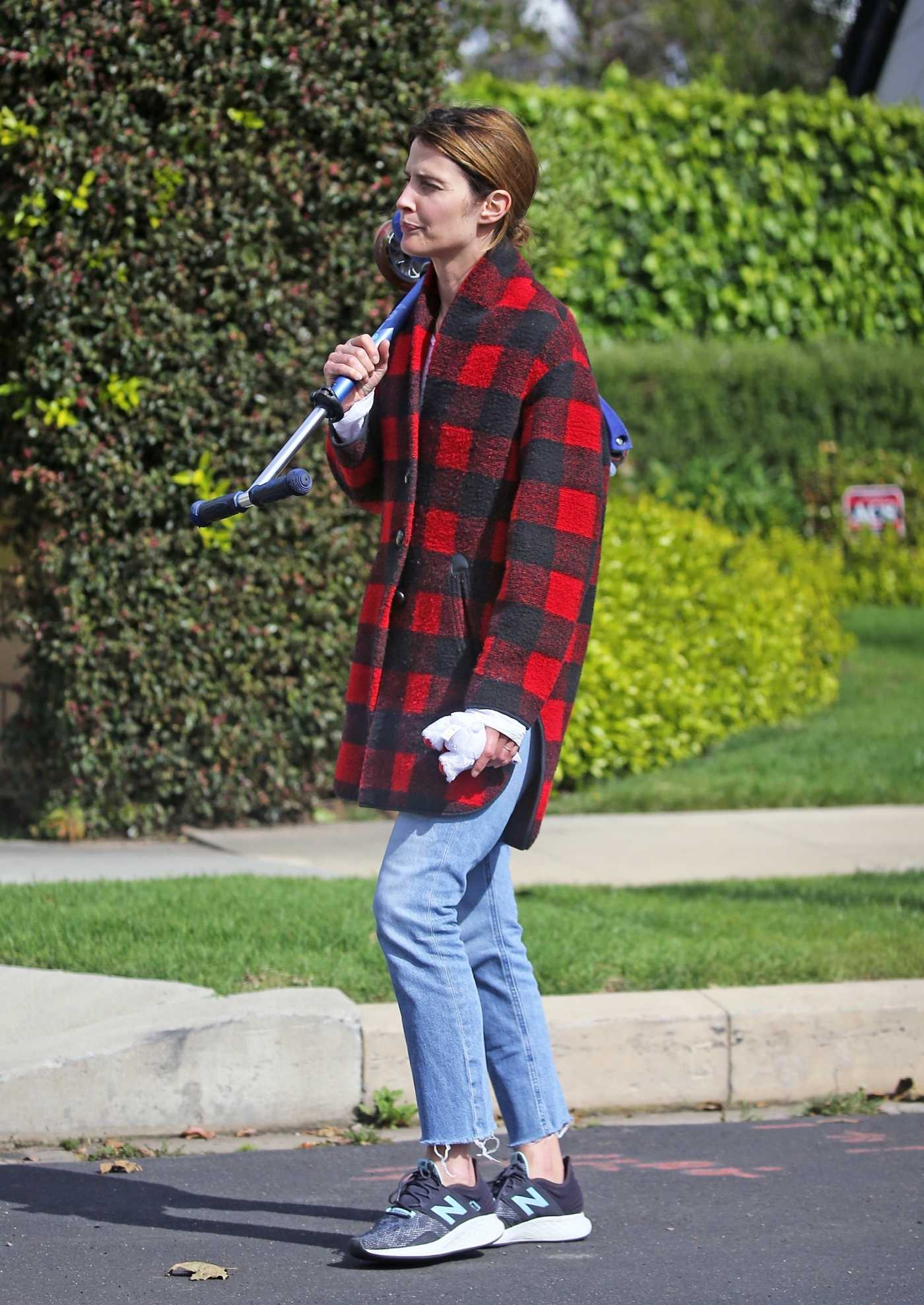 Cobie Smulders in a Plaid Coat Was Seen Out in Los Angeles 04/08/2020