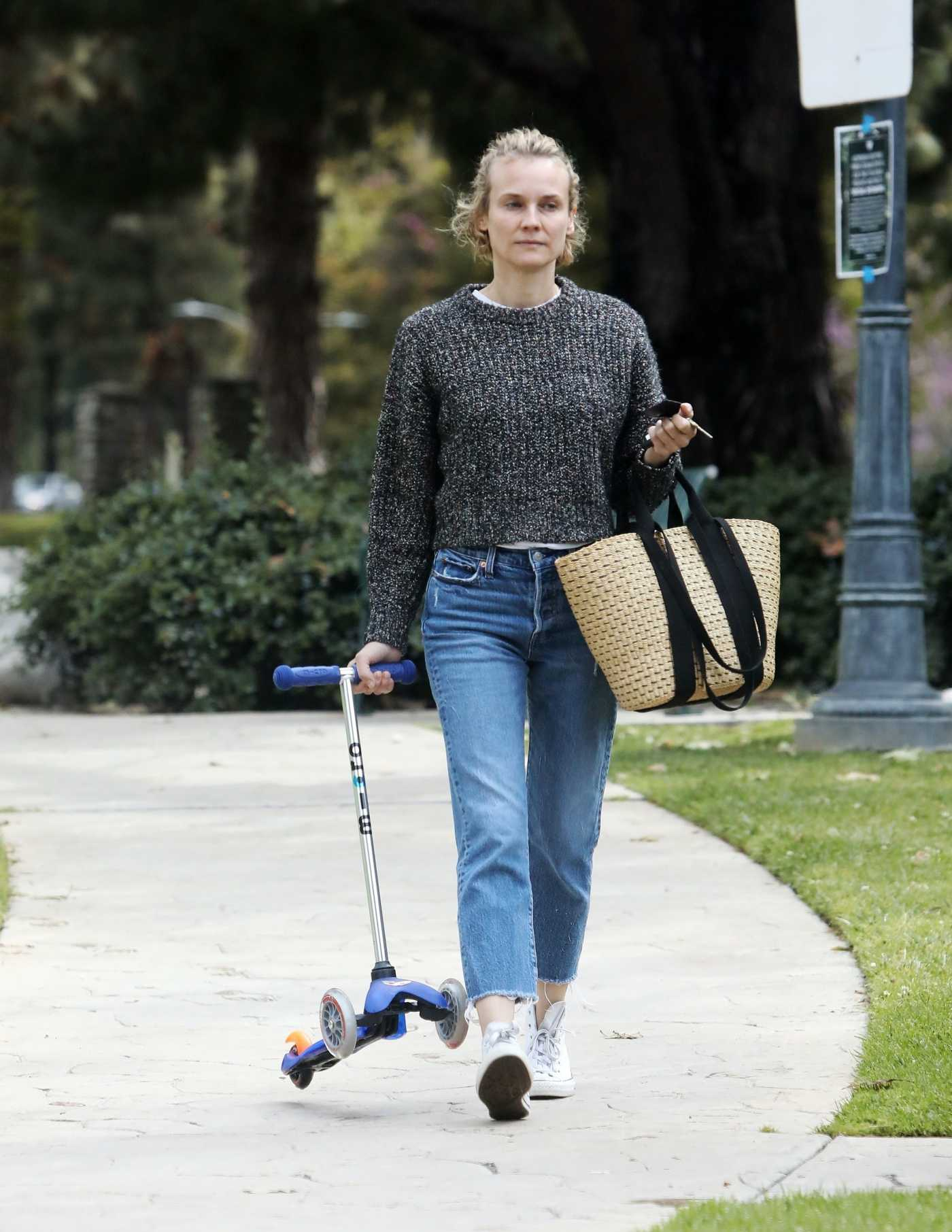 Diane Kruger in a Blue Jeans Was Spotted in a Park in Los Angeles 04/08/2020