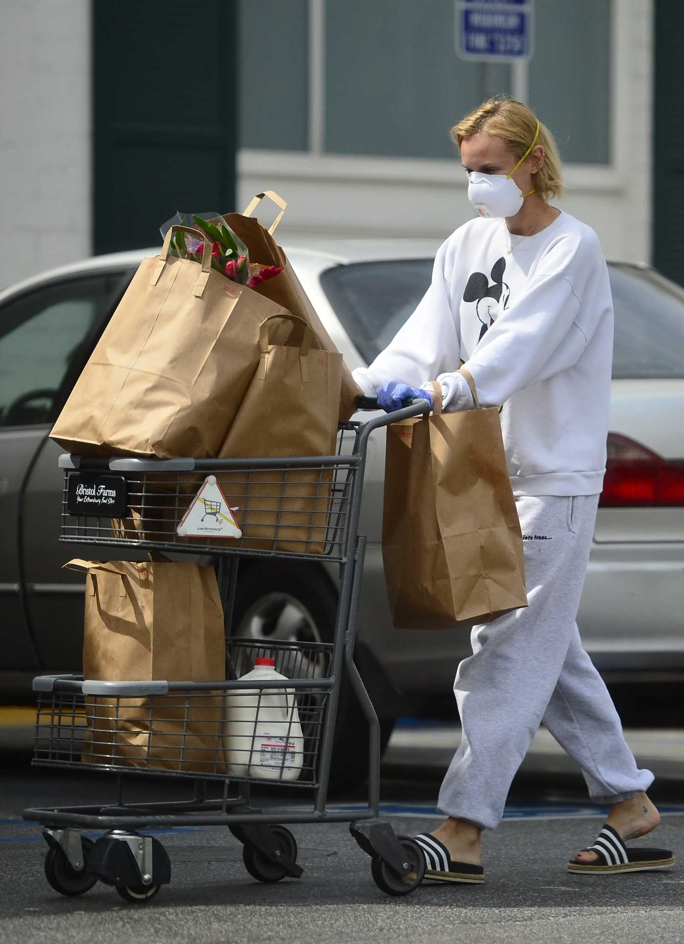 Diane Kruger in a Surgical Face Mask Leaves the Bristol Farms S Out with Norman Reedus in West Hollywood 03/31/2020