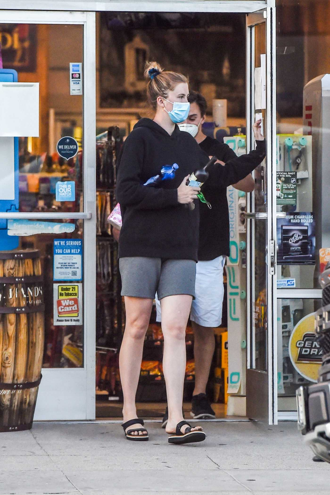 Ireland Baldwin in a Face Mask Goes Shopping During the COVID-19 Lockdown in Los Angeles 04/23/2020