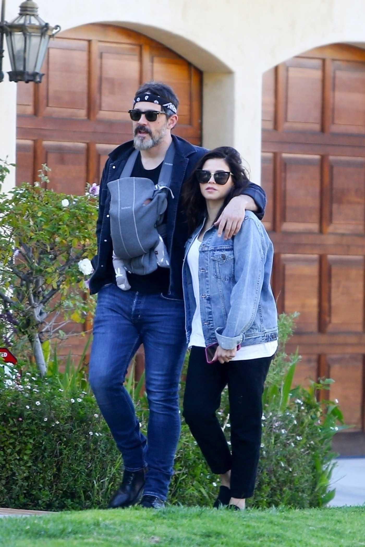 Jenna Dewan in a Blue Denim Jacket Was Seen Out with Steve Kazee in Los Angeles 04/11/2020