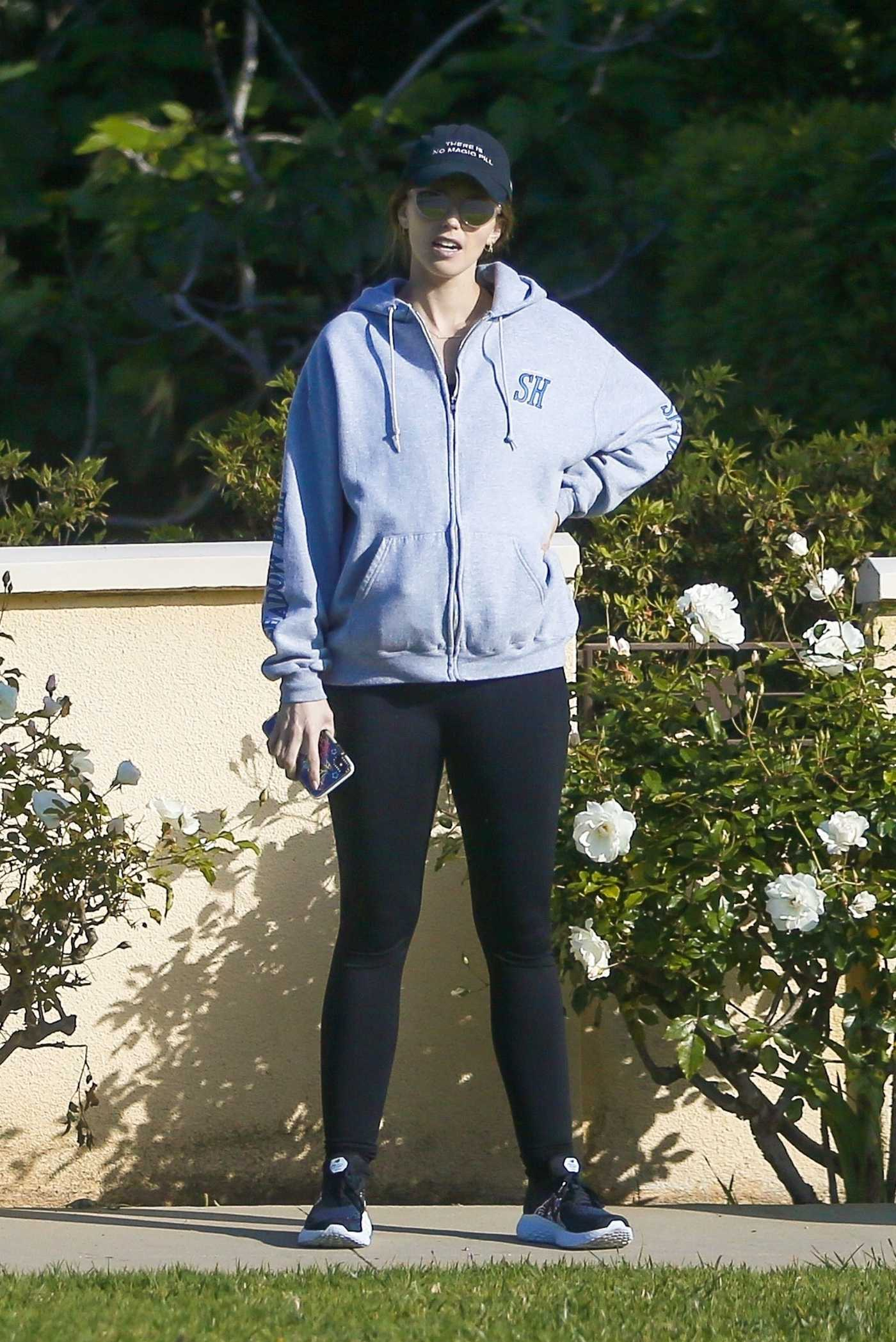 Katherine Schwarzenegger in a Black Cap Was Seen Out with Chris Pratt in Santa Monica 04/25/2020