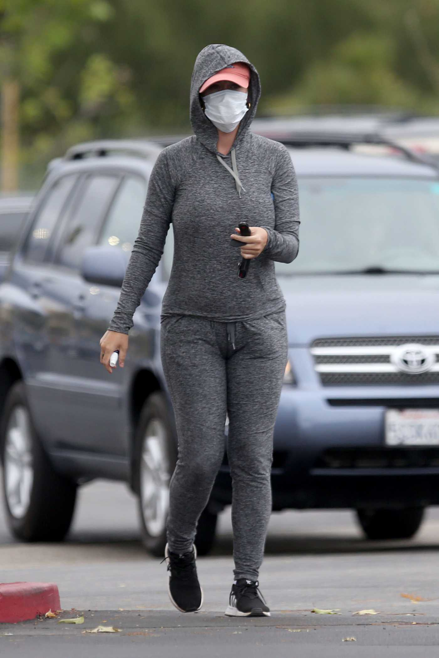 Katy Perry in a Face Mask Goes Shopping for Supplies at Target in Los Angeles 04/18/2020