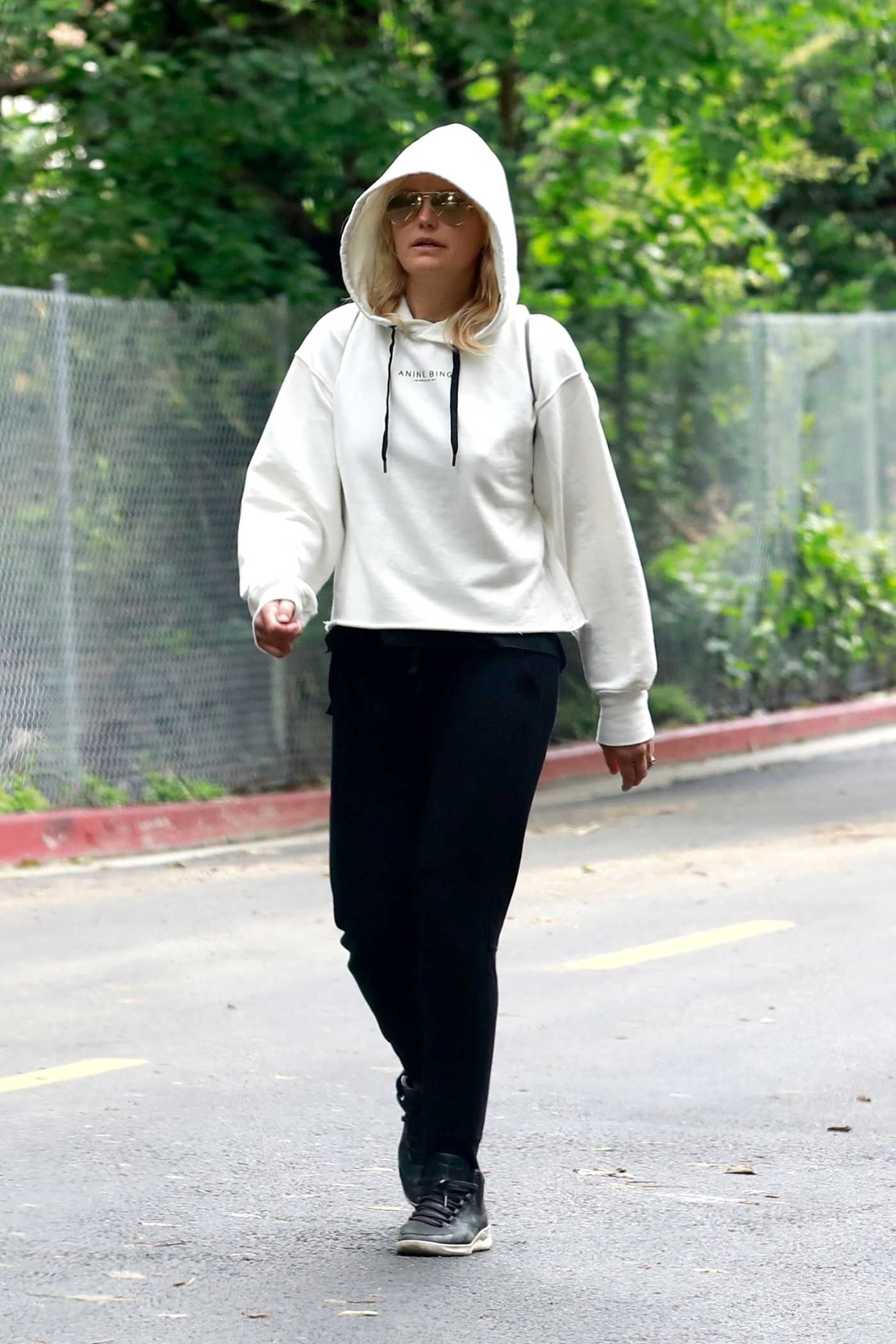 Malin Akerman in a White Hoody Wakks at Griffith Park in Los Angeles 04/08/2020