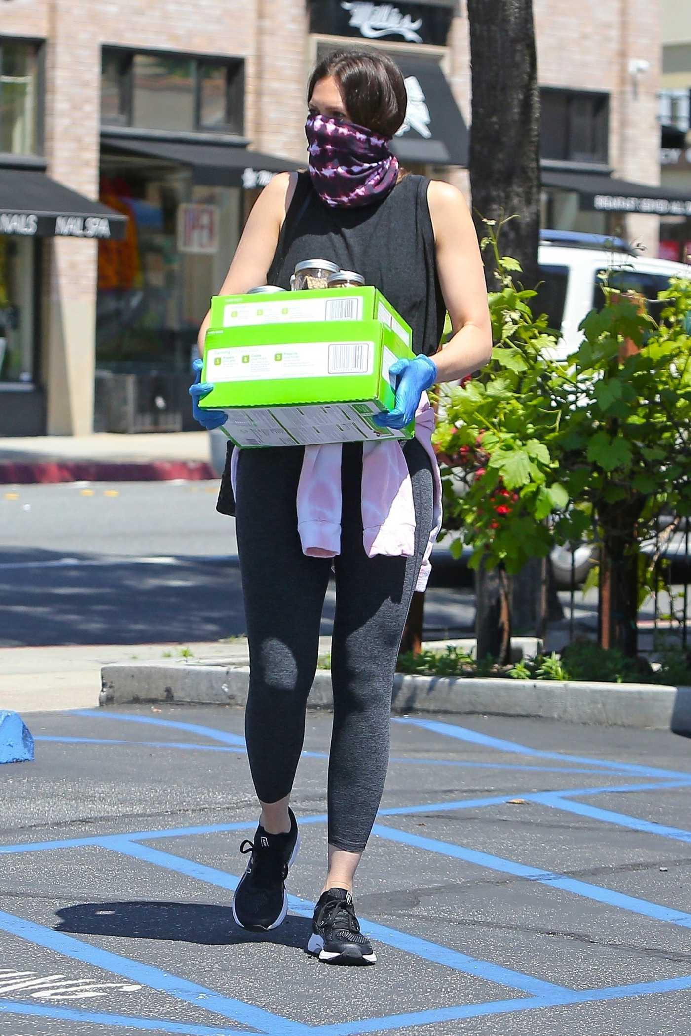 Mandy Moore in a Black Leggings Leaves Culture Club 101 in Pasadena 04/21/2020
