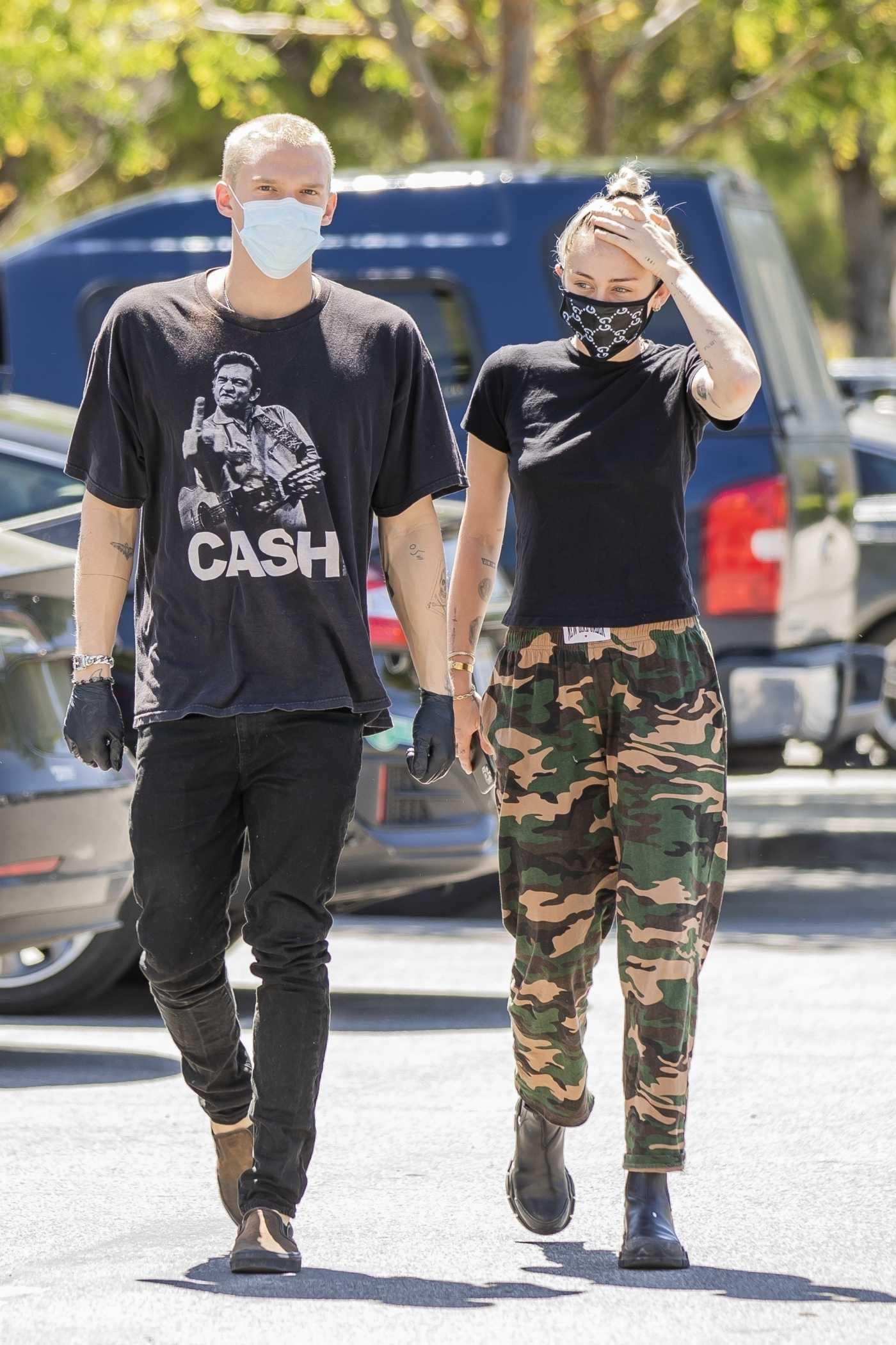 Miley Cyrus in a Black Tee Was Seen Out with Cody Simpson in Calabasas 04/23/2020