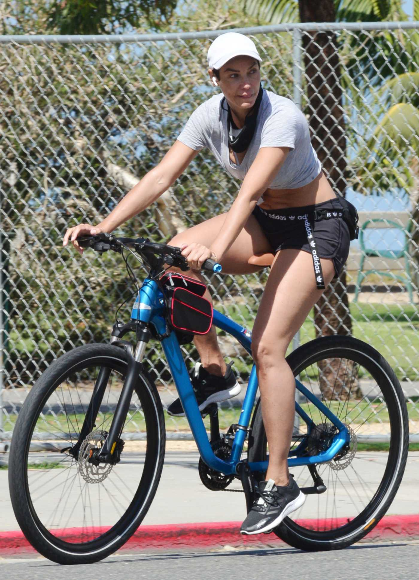 Nicole Murphy in a White Cap Does a Bike Ride in Santa Monica 04/24/2020