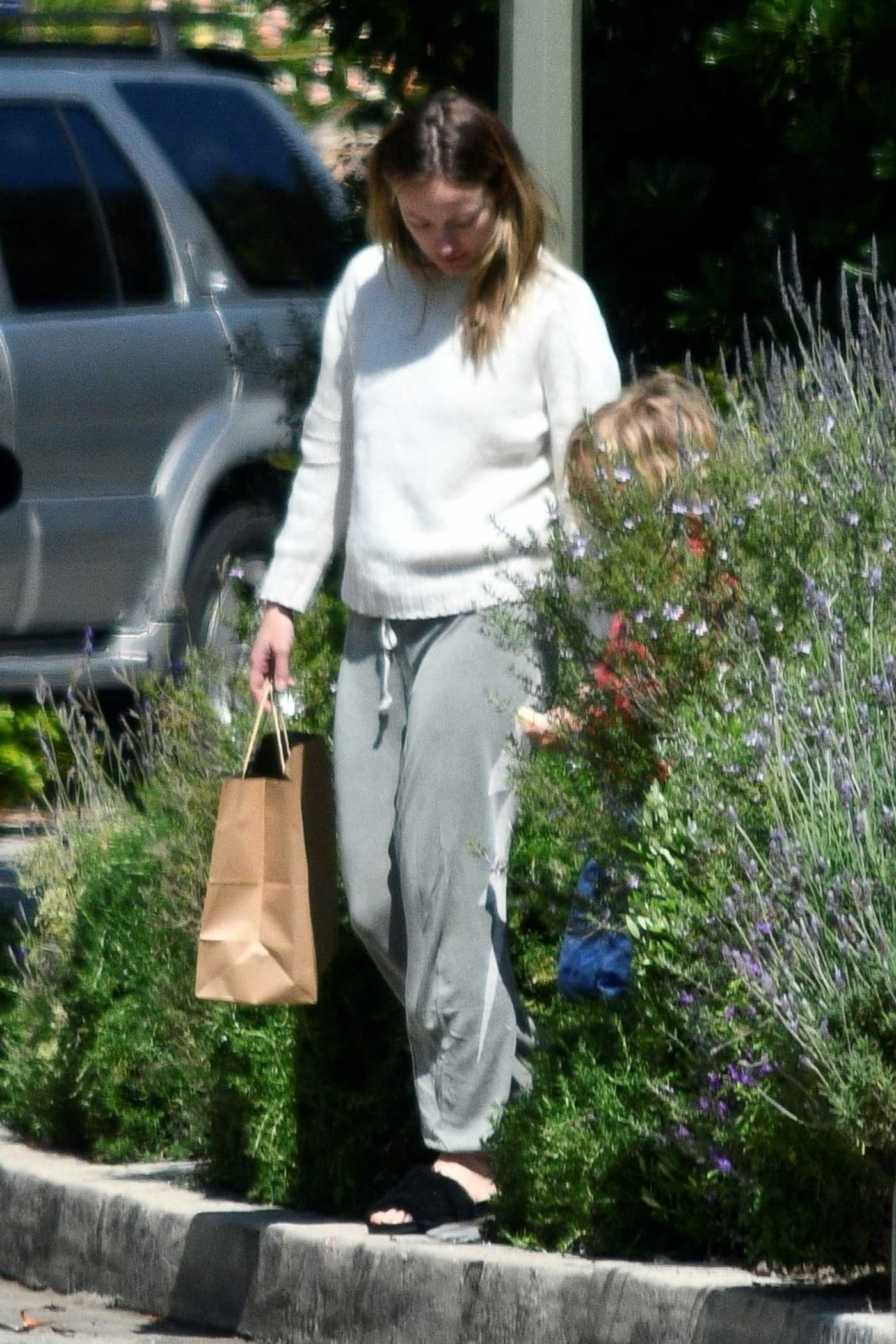 Olivia Wilde in a White Sweater Was Seen Out in Silverlake 04/14/2020