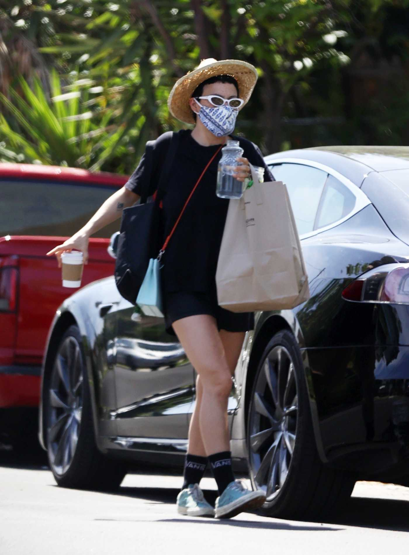Alia Shawkat in a Protective Mask Was Seen Out in Los Angeles 05/07/2020