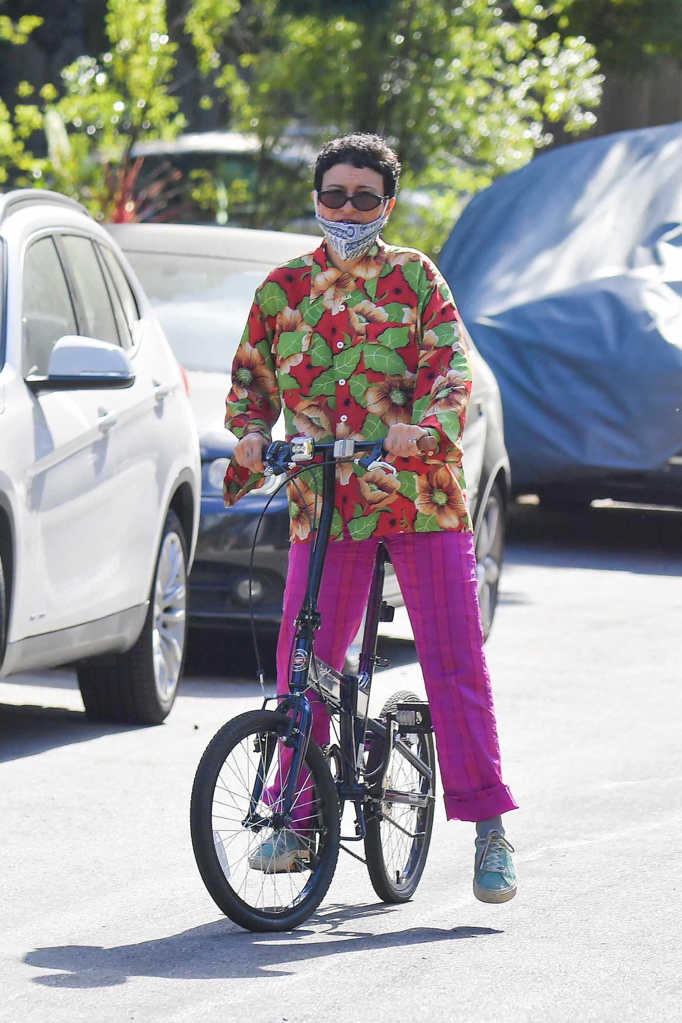Alia Shawkat in a Purple Pants Does a Bike Ride in Los Angeles 05/12/2020