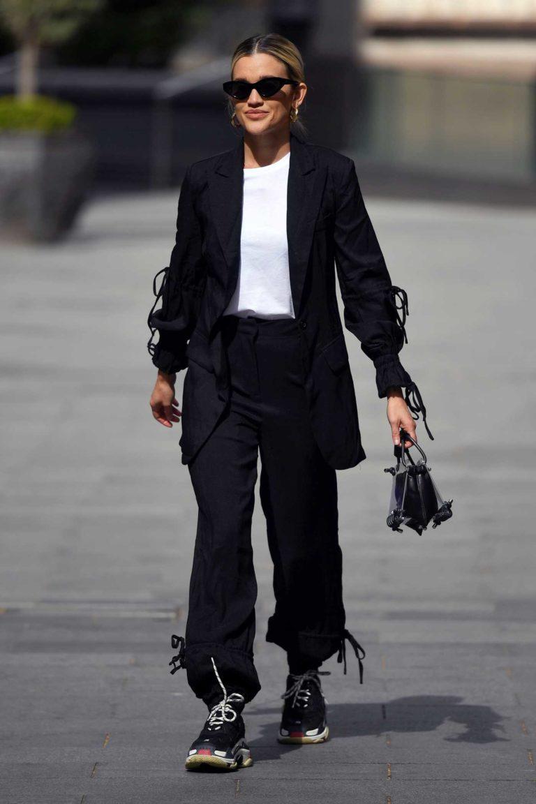 Ashley Roberts in a Black Blazer