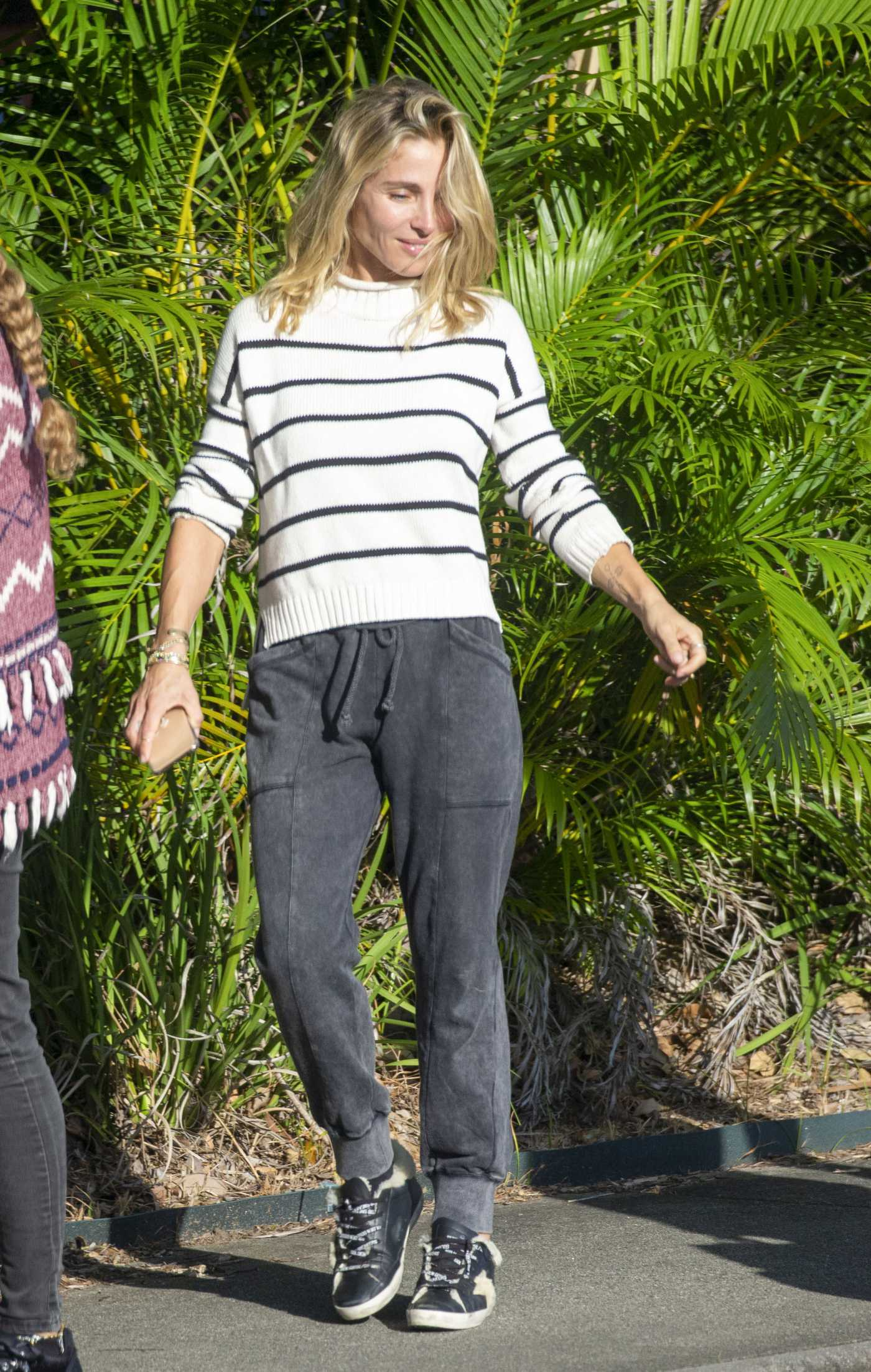 Elsa Pataky in a White Striped Sweater Was Seen Out in Byron Bay 05/18/2020