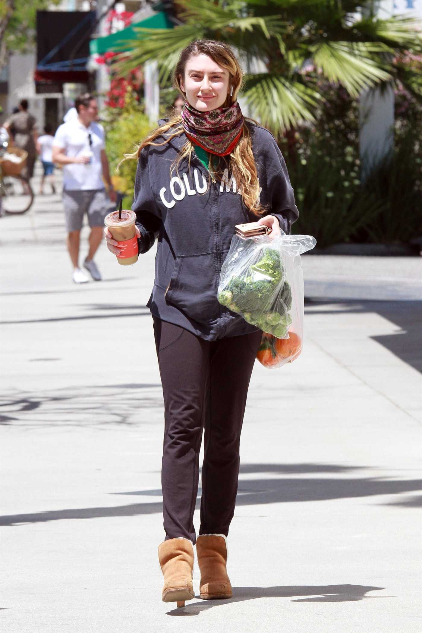 Emma Fuhrmann Goes Shopping at the Farmers Market in Los Angeles 05/03/2020