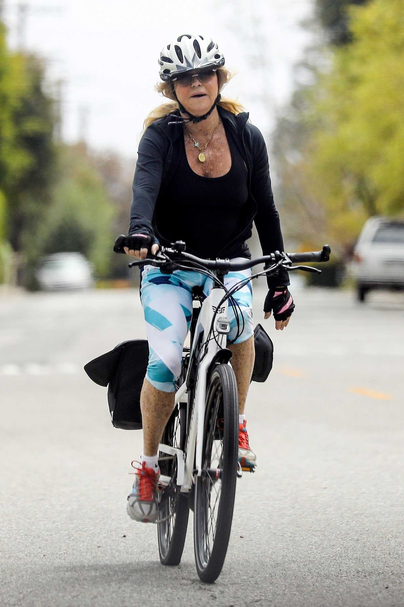 Goldie Hawn in a Black Track Jacket Does a Bike Ride Out in Brentwood 05/19/2020