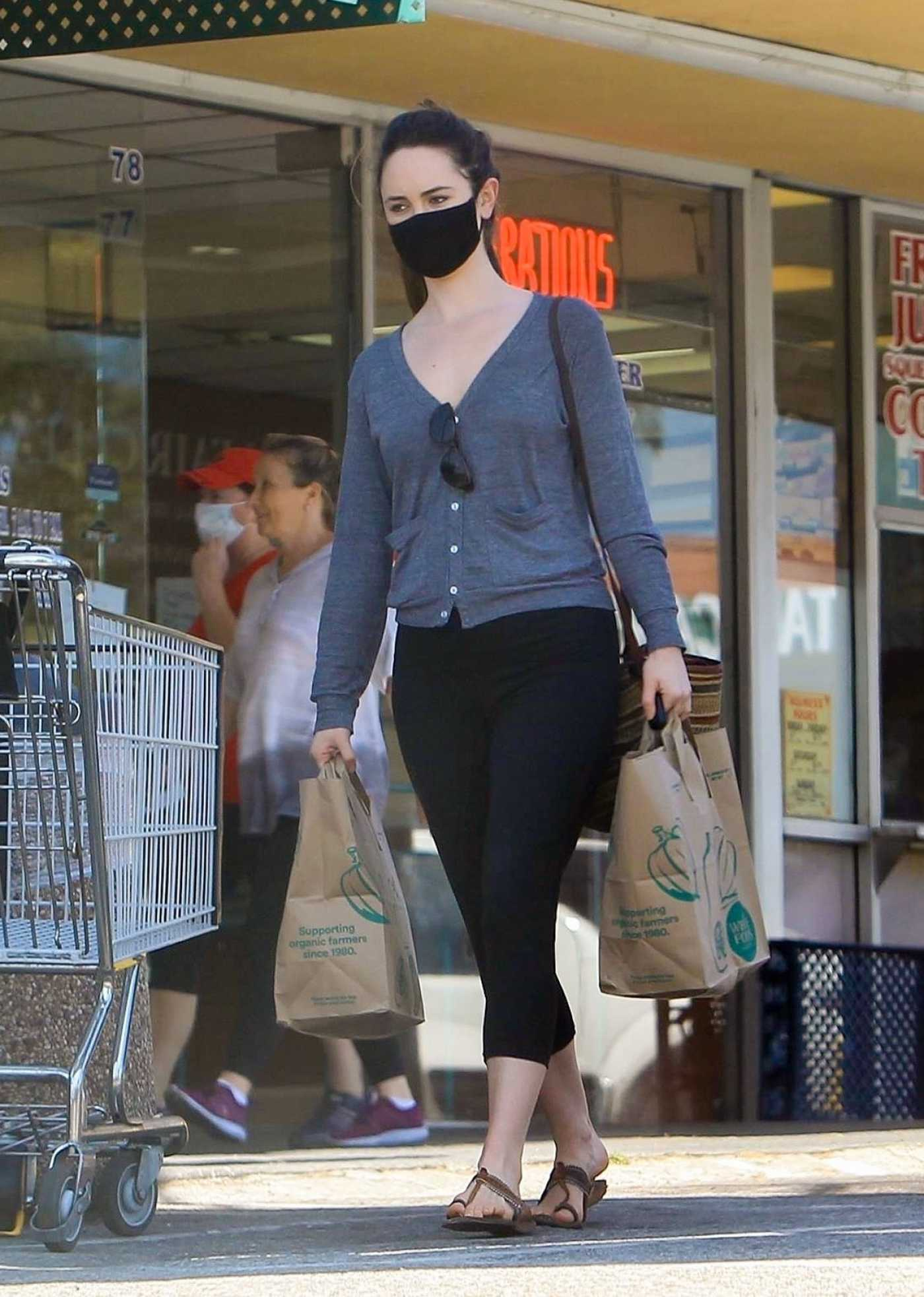 Odette Annable in a Black Leggings Goes Shopping at Whole Foods in West Hollywood 05/11/2020