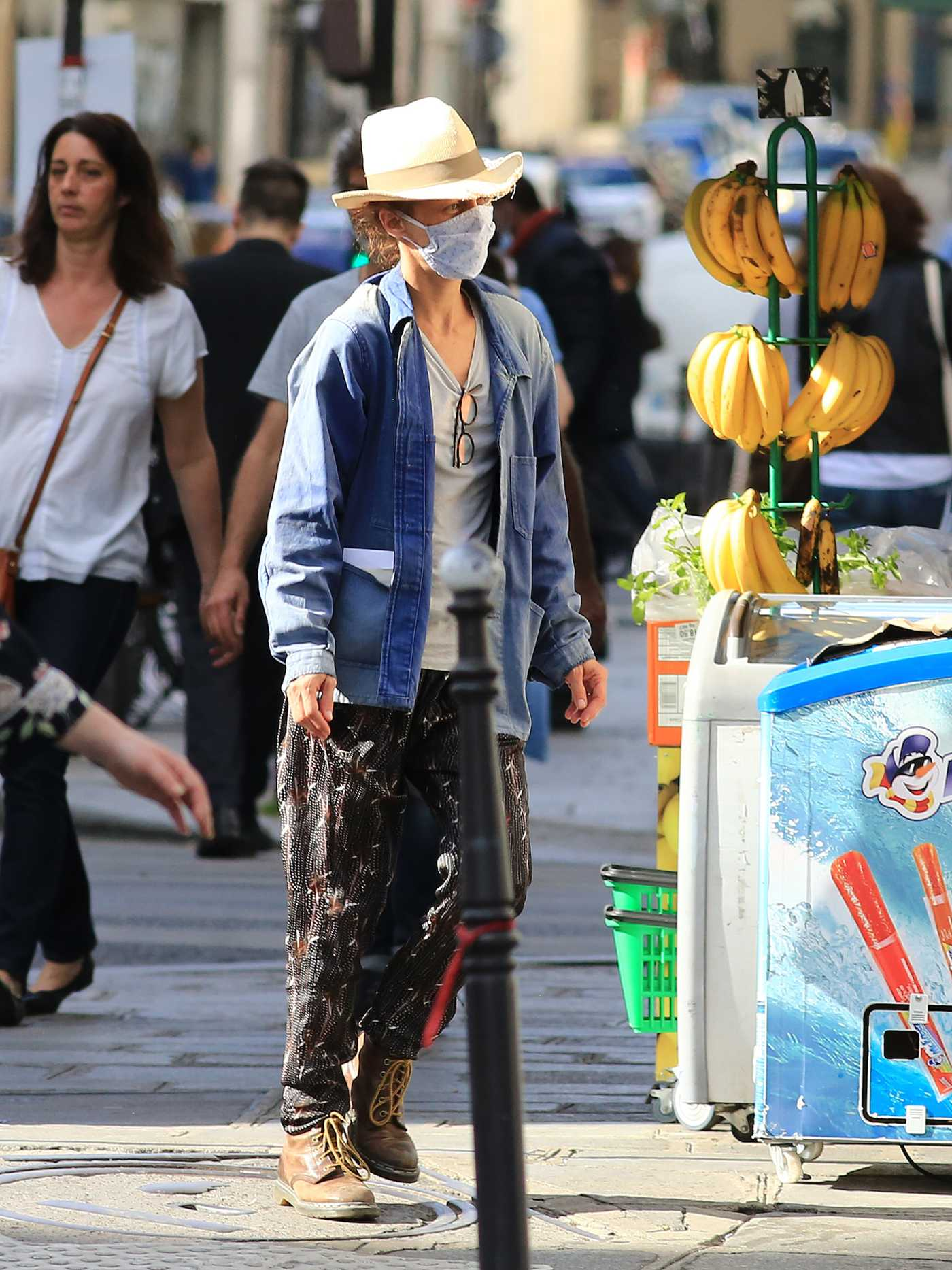 Vanessa Paradis in a Protective Mask Was Seen Out in Paris  05/20/2020