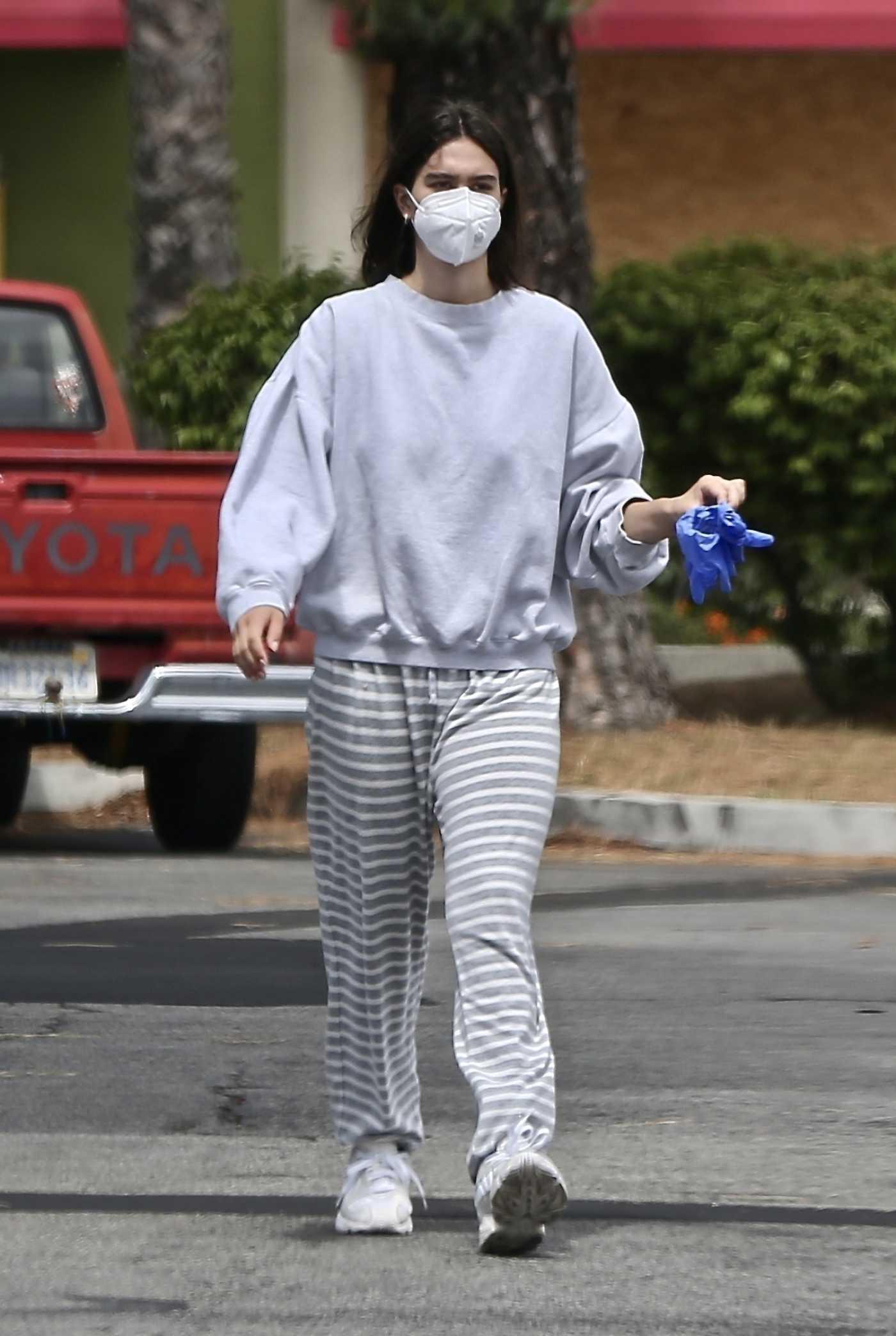 Amelia Hamlin in a Gray Sweatshirt Goes Shopping in Studio City 06/06/2020