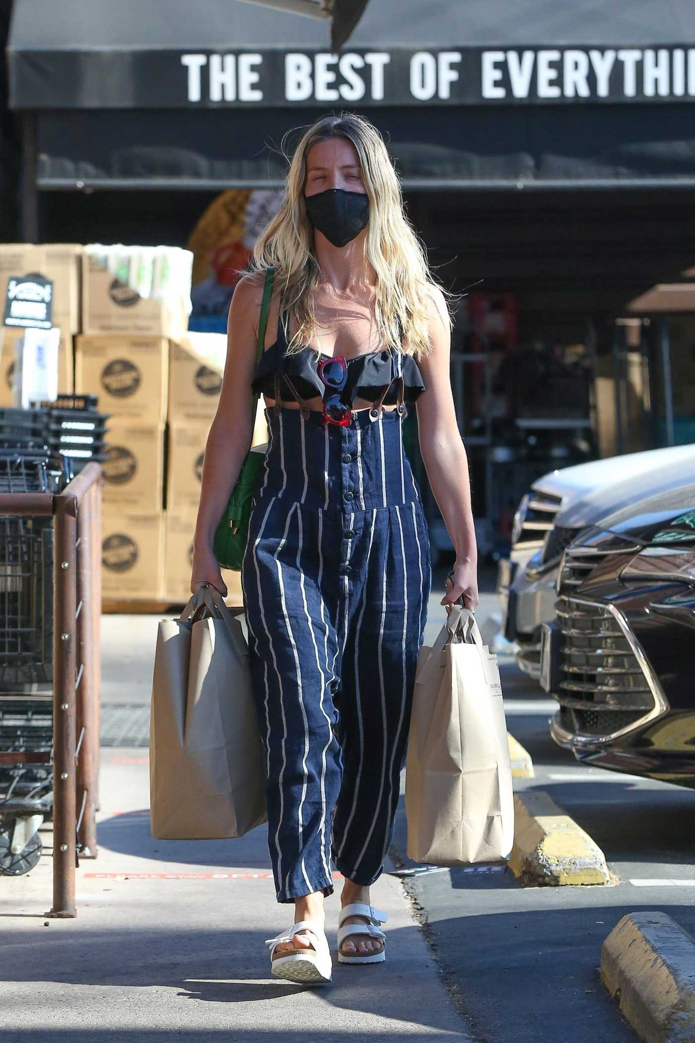 Annabelle Wallis in a Black Protective Mask Goes Shopping in Los Feliz 06/11/2020