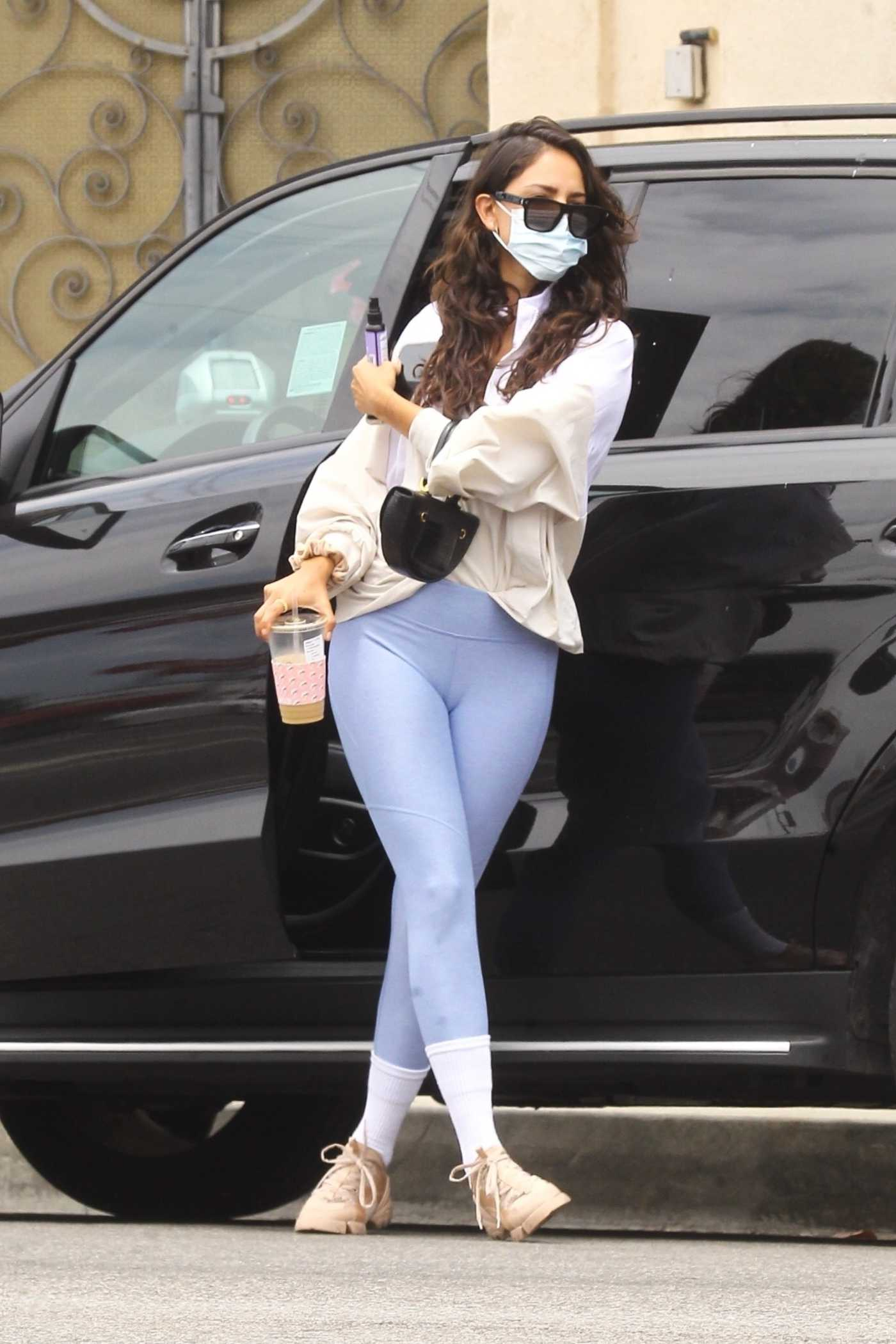 Eiza Gonzalez in a Protective Mask Was Seen Out in Los Angeles 06/17/2020