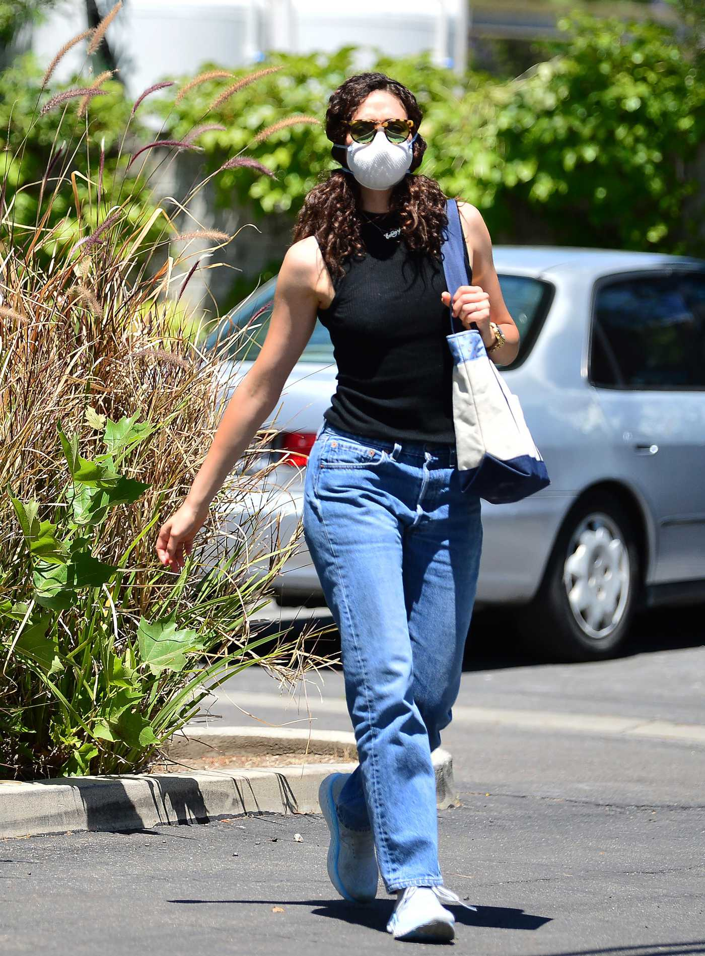 Emmy Rossum in a Protective Mask Was Seen Out in Los Angeles 06/12/2020