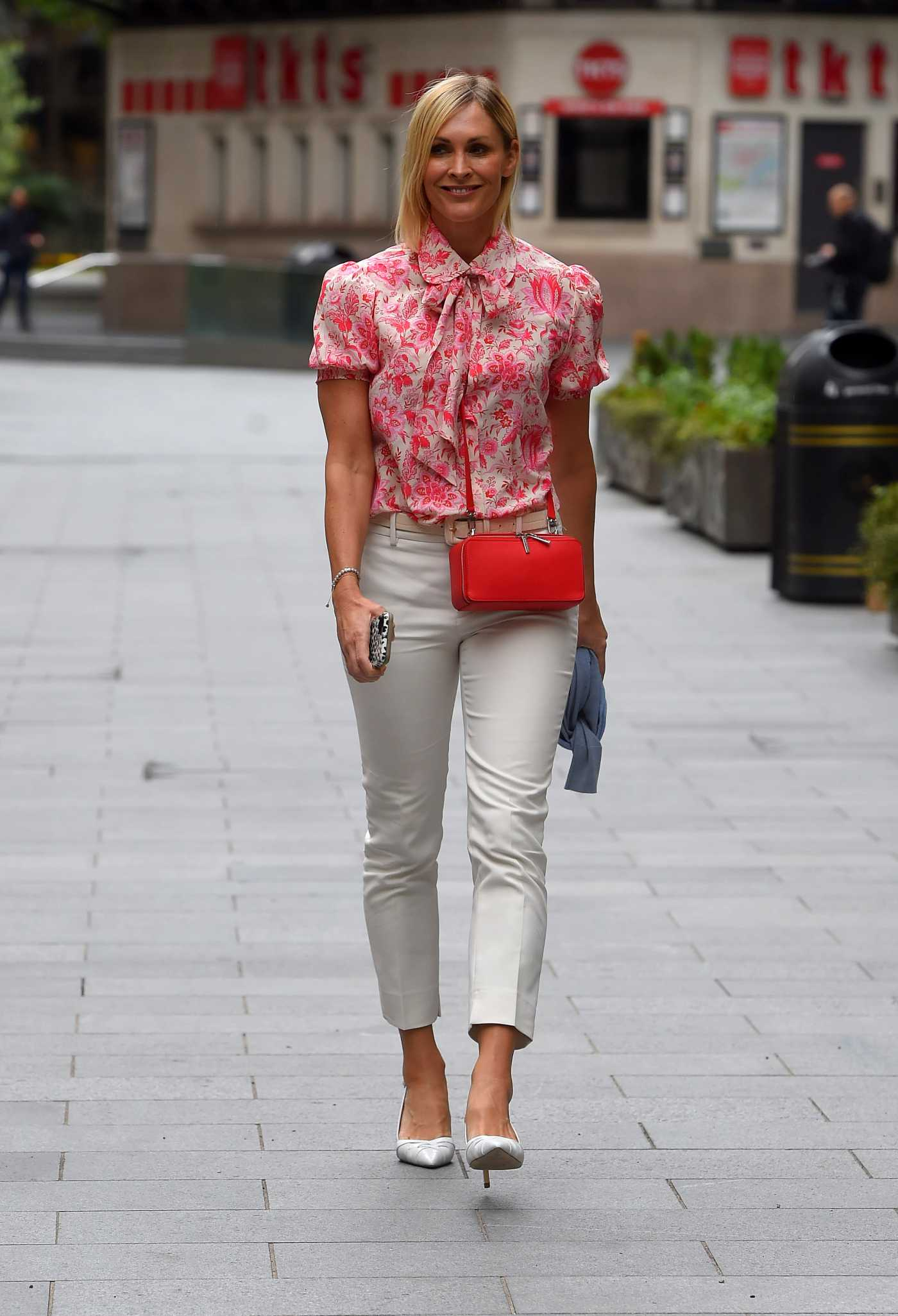 Jenni Falconer in a Floral Print Blouse Arrives at Global Radio in London 06/19/2020