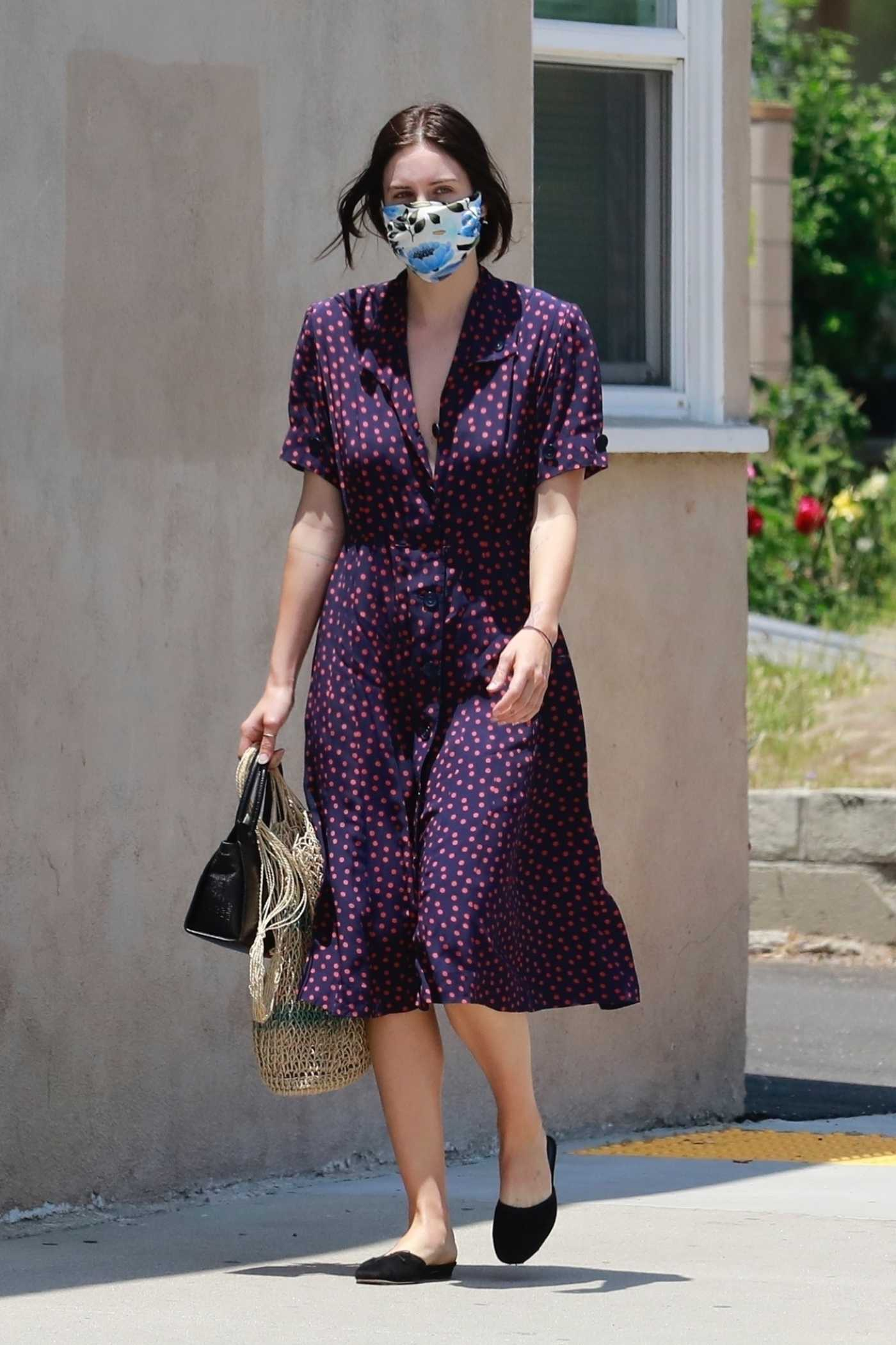 Scout Willis in a Purple Polka Dot Dress Shops at the Local Farmers Market in Glendale 06/21/2020