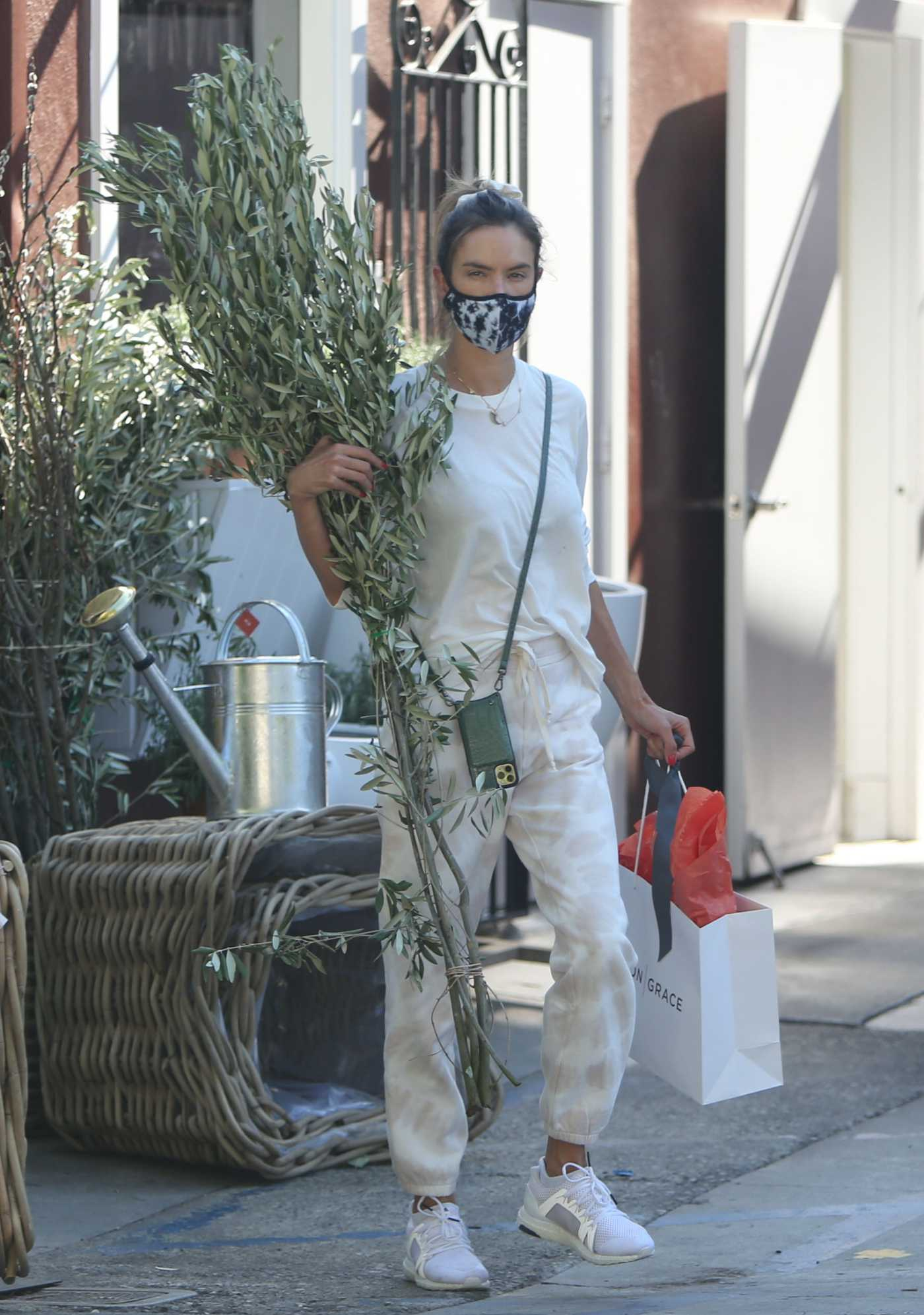 Alessandra Ambrosio in a Protective Mask Leaves a Flower Store in Brentwood 07/23/2020