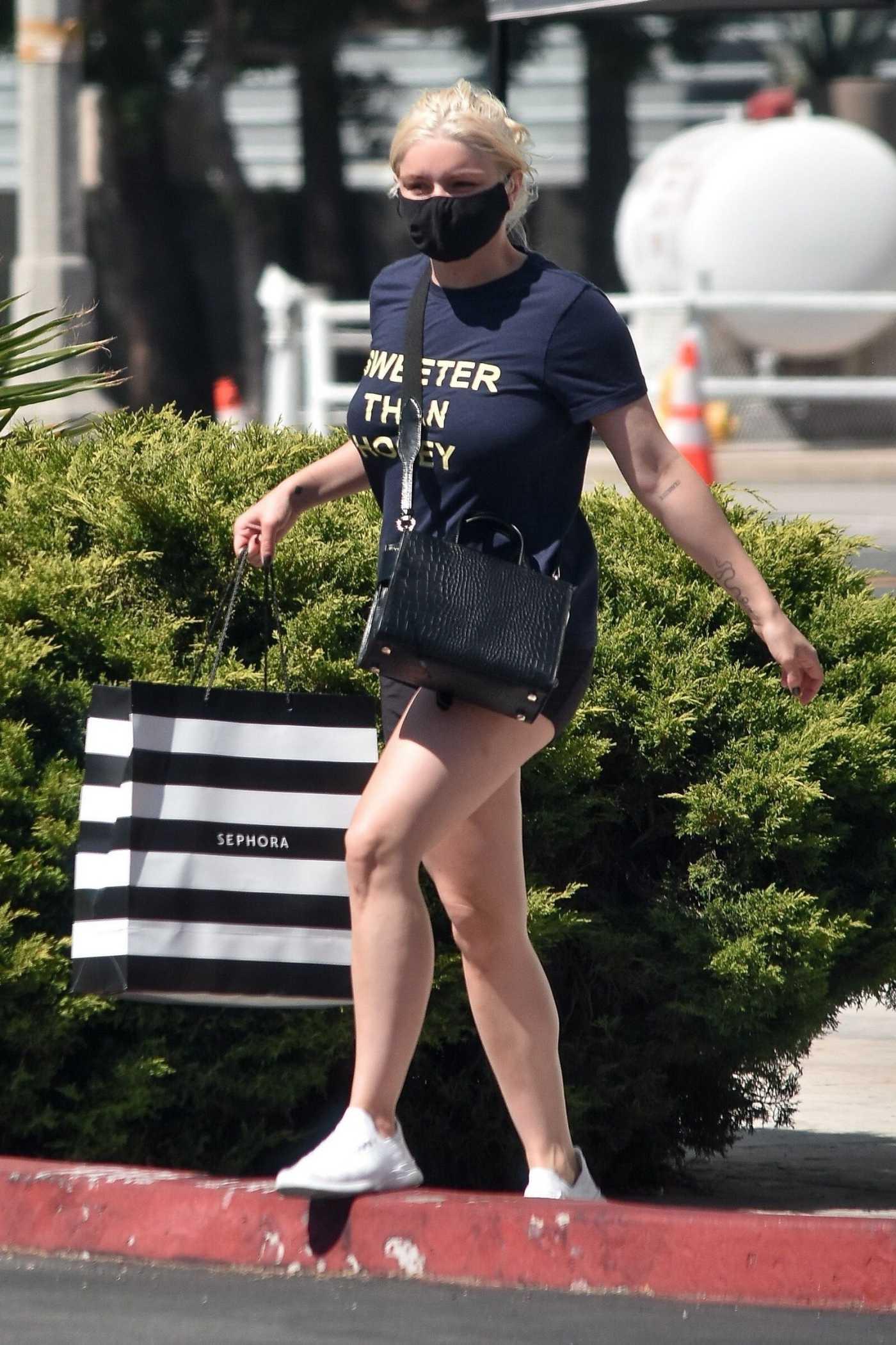Ariel Winter in a Black Tee Was Seen Out in Studio City 07/07/2020